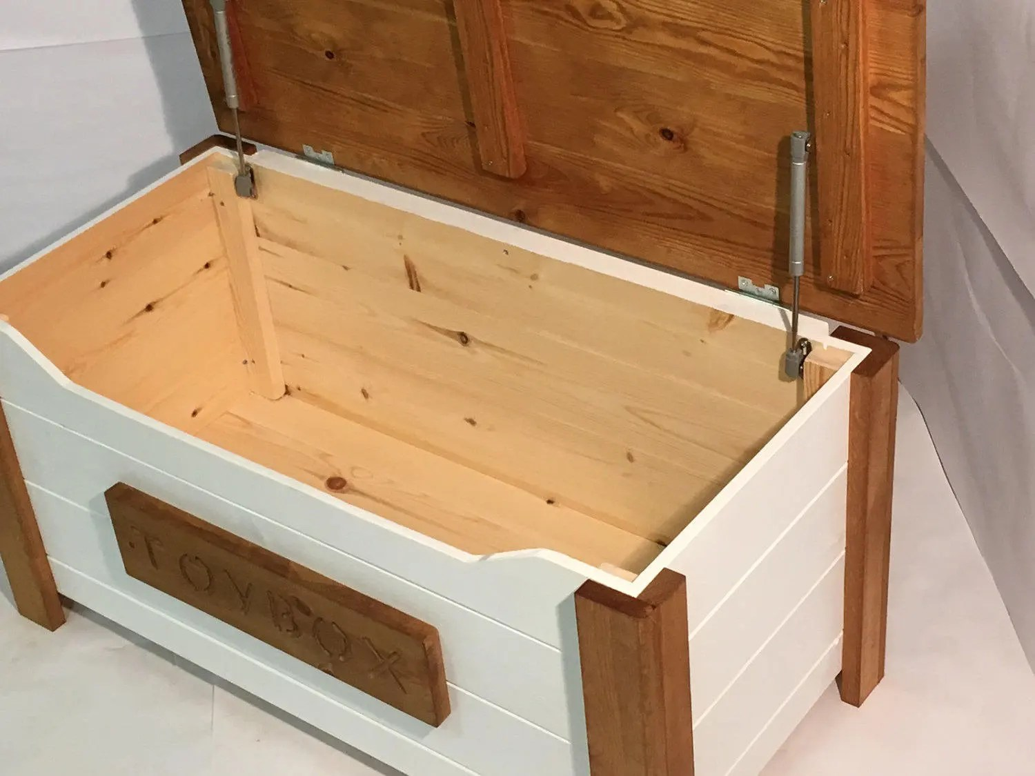 Toy Chests Handcrafted Wooden Rustic Pine Trunk Chest Toy Box Daisy White
