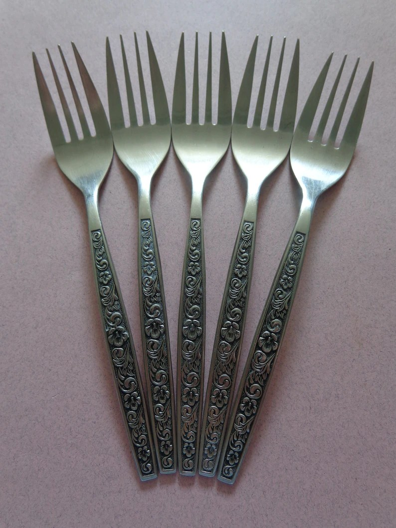 Discount Stainless Flatware Northland Stainless Flatware 5 Rendezvous Dinner Forks Flowers Scrolls And Black Accents Vintage Silverware Korea
