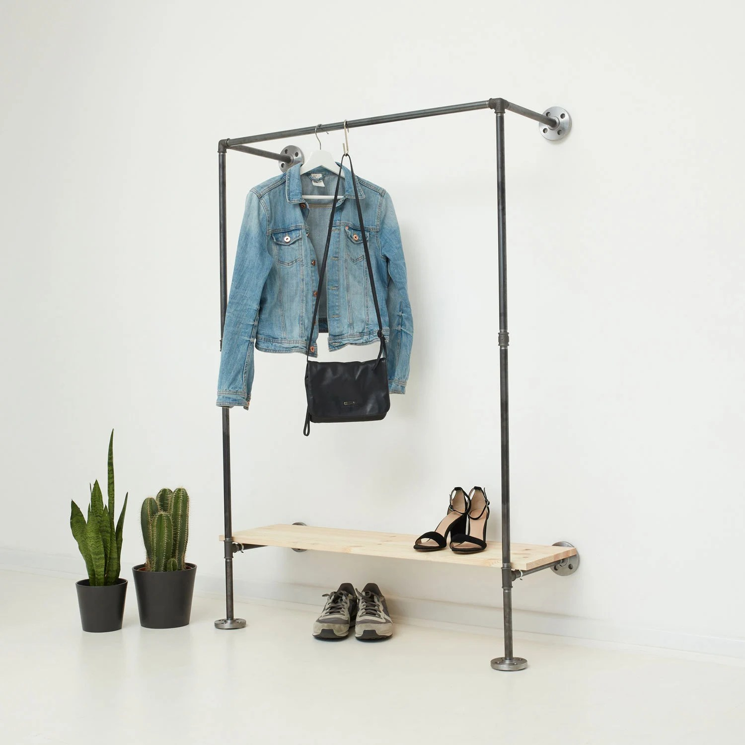 Garderobe Industrial Design Customizable Open Wardrobe Industrial Design Steel Pipe Clothes Rack Industrial Clothing Rail Ideal One Anthracite Galvanized