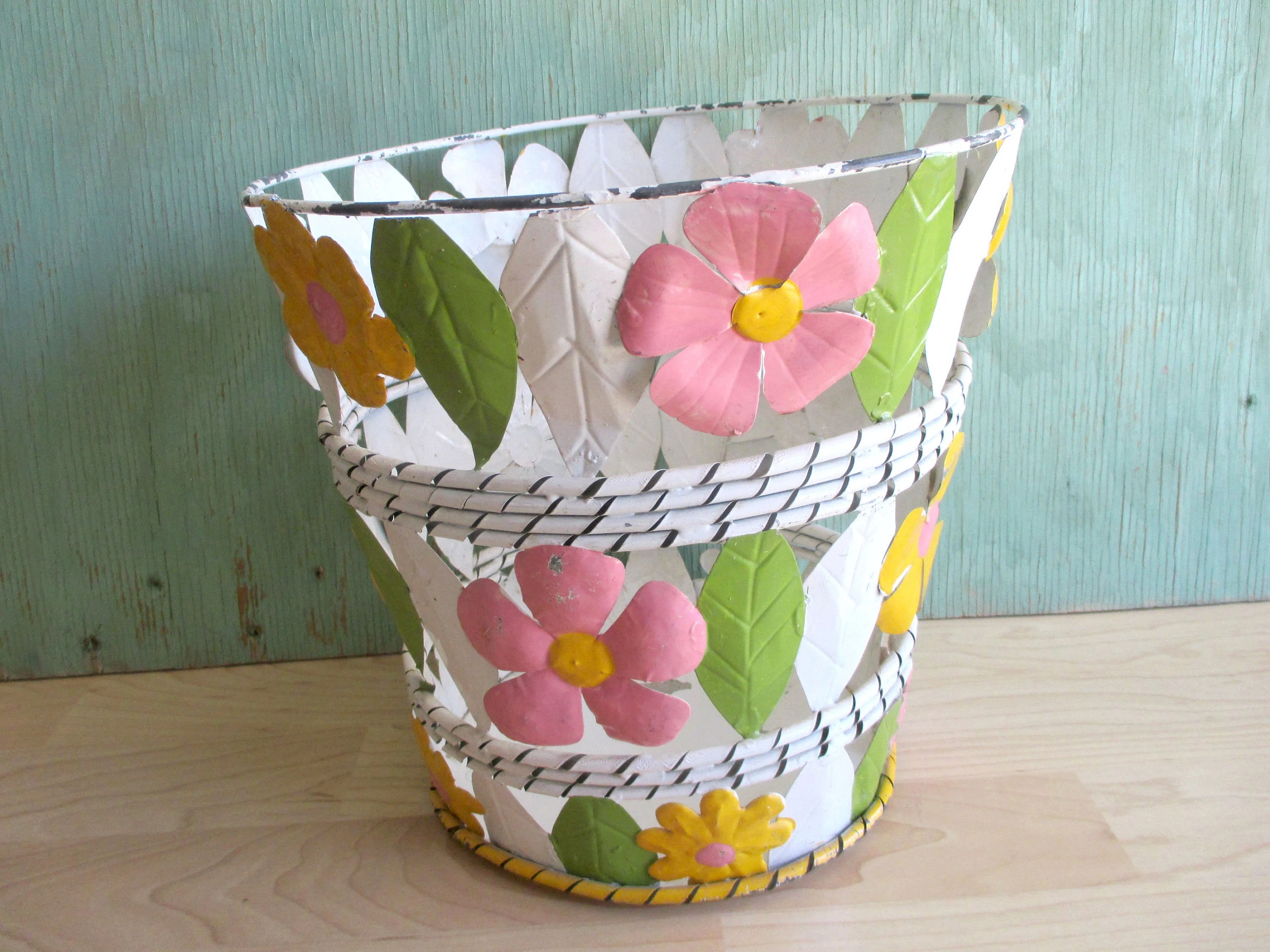 Shabby Chic Waste Baskets Vintage Metal Trash Can Floral Enameled Tin Wastebasket Country
