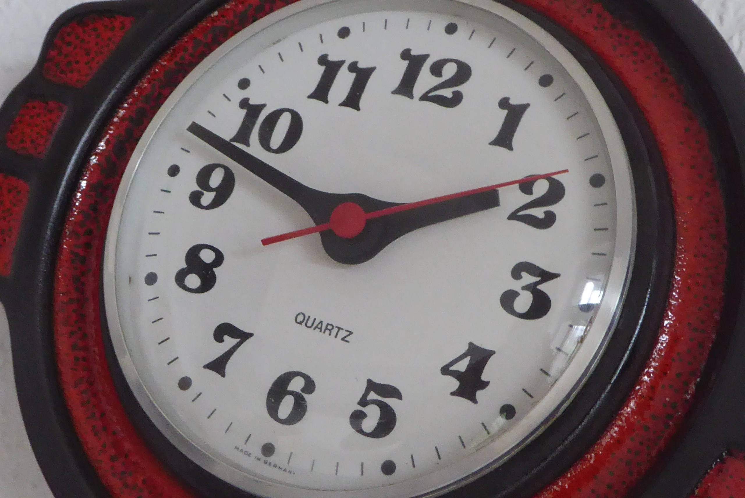 Wanduhr Vintage Look Quarz Wanduhr Wall Clock Red Black Vintage Uhr Battery Full Working Ceramic Clock 80s