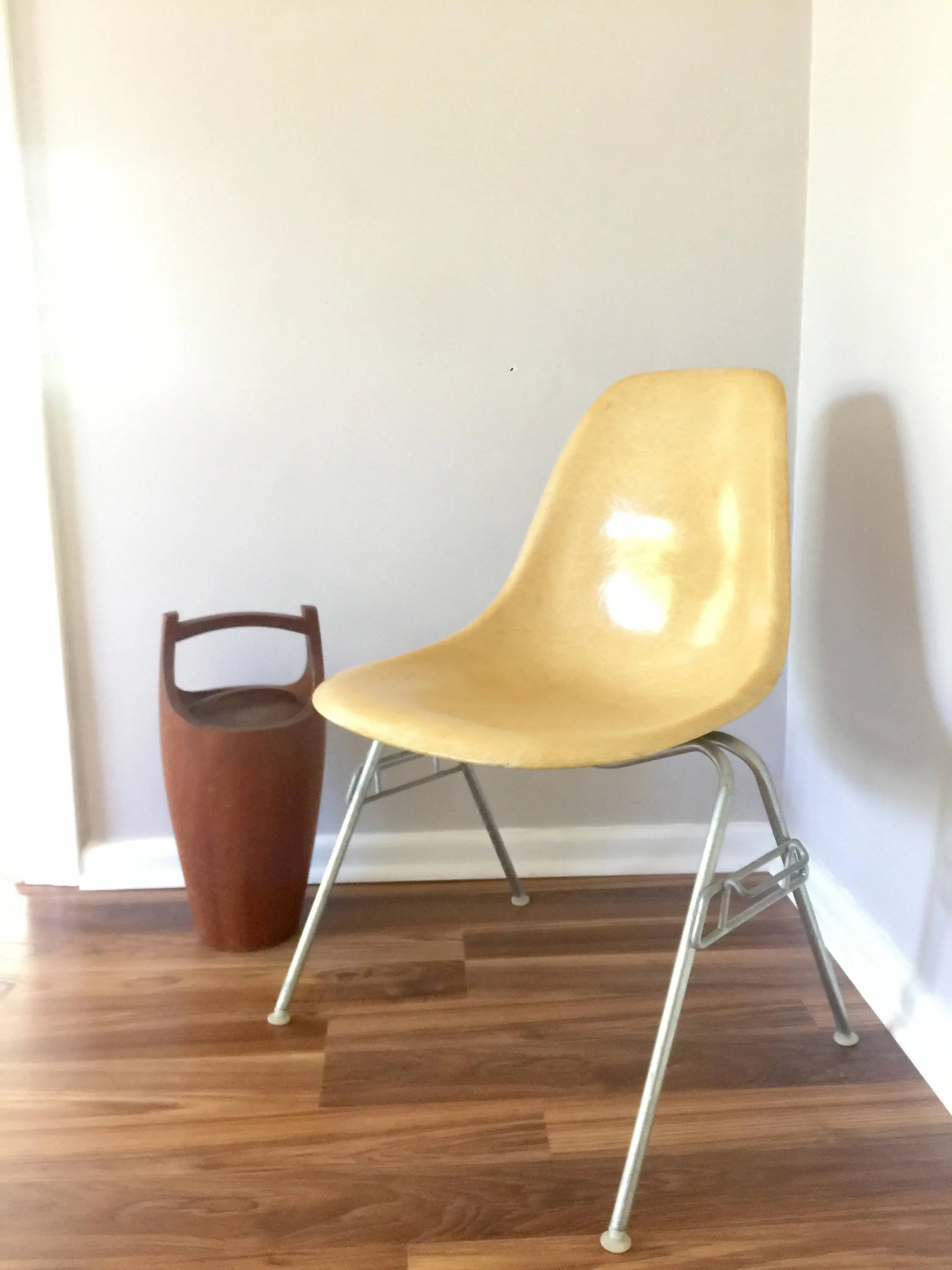 Charles Eames Vintage Yellow Fiberglass Charles Eames Herman Miller School House Base Chair