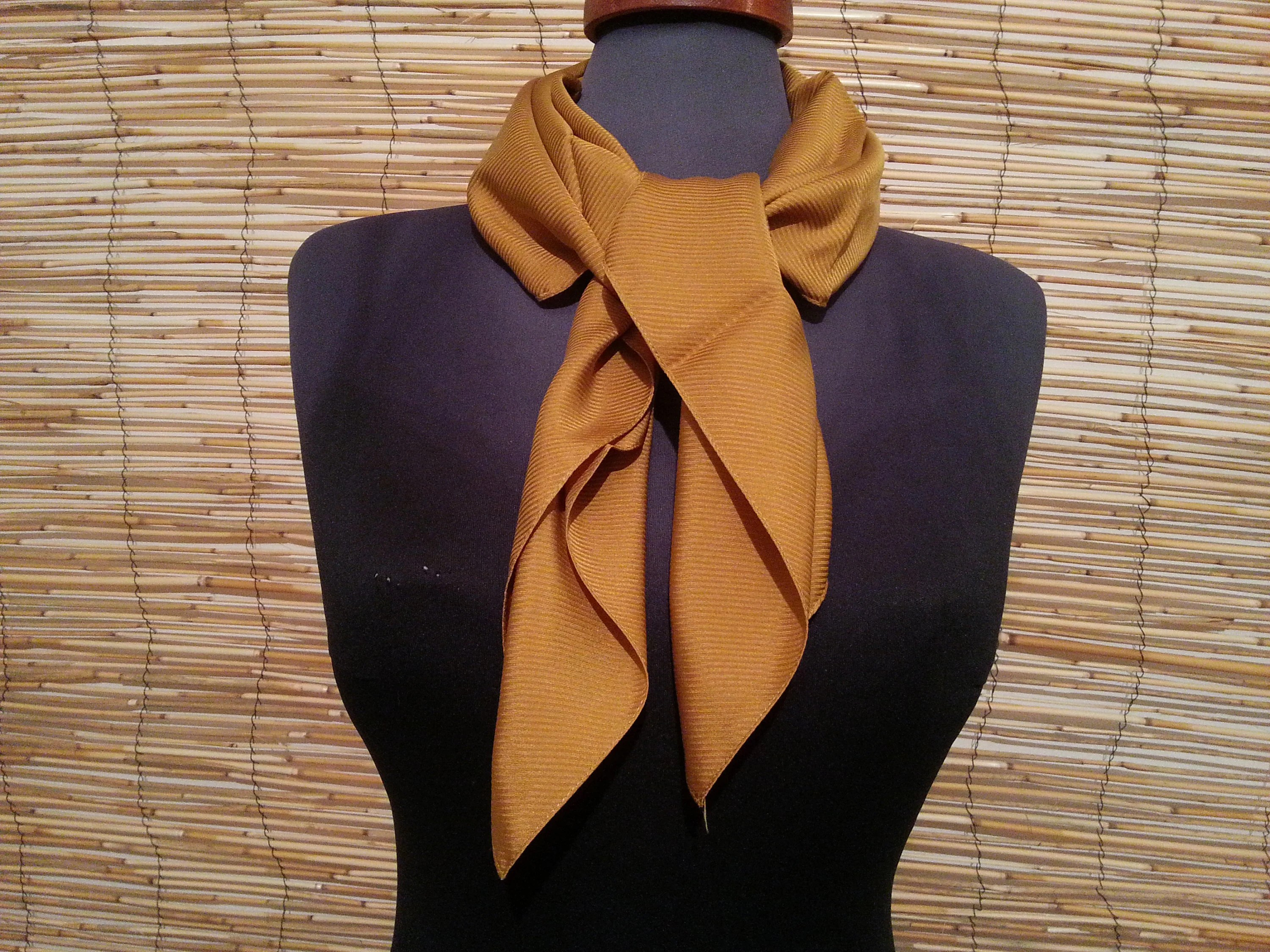Tappeti Aubusson Vintage Vintage Scarf Pure Silk Caramel Square