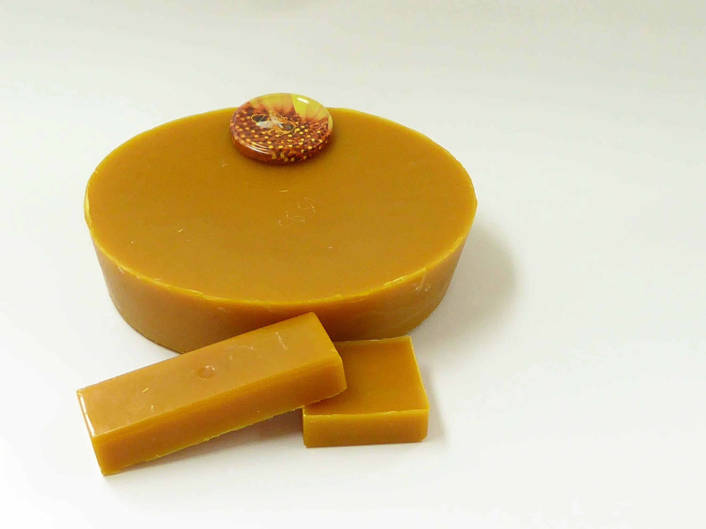 Bijenwas Action Natuurzuiver Beeswax Organic Pure And Natural Delicious Smelling Fragrant Beeswax Blocks In Different Weights