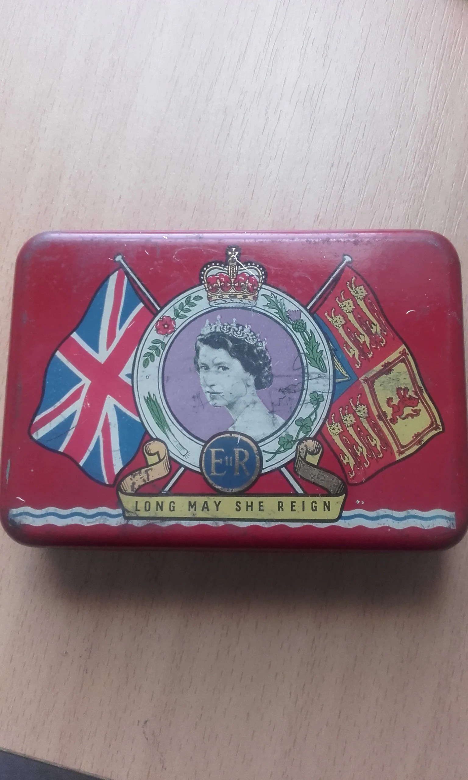 Sessel Queen Elizabeth Oxo 1953 Queen Elizabeth Ii The Second Coronation Celebration Souvenir Tin
