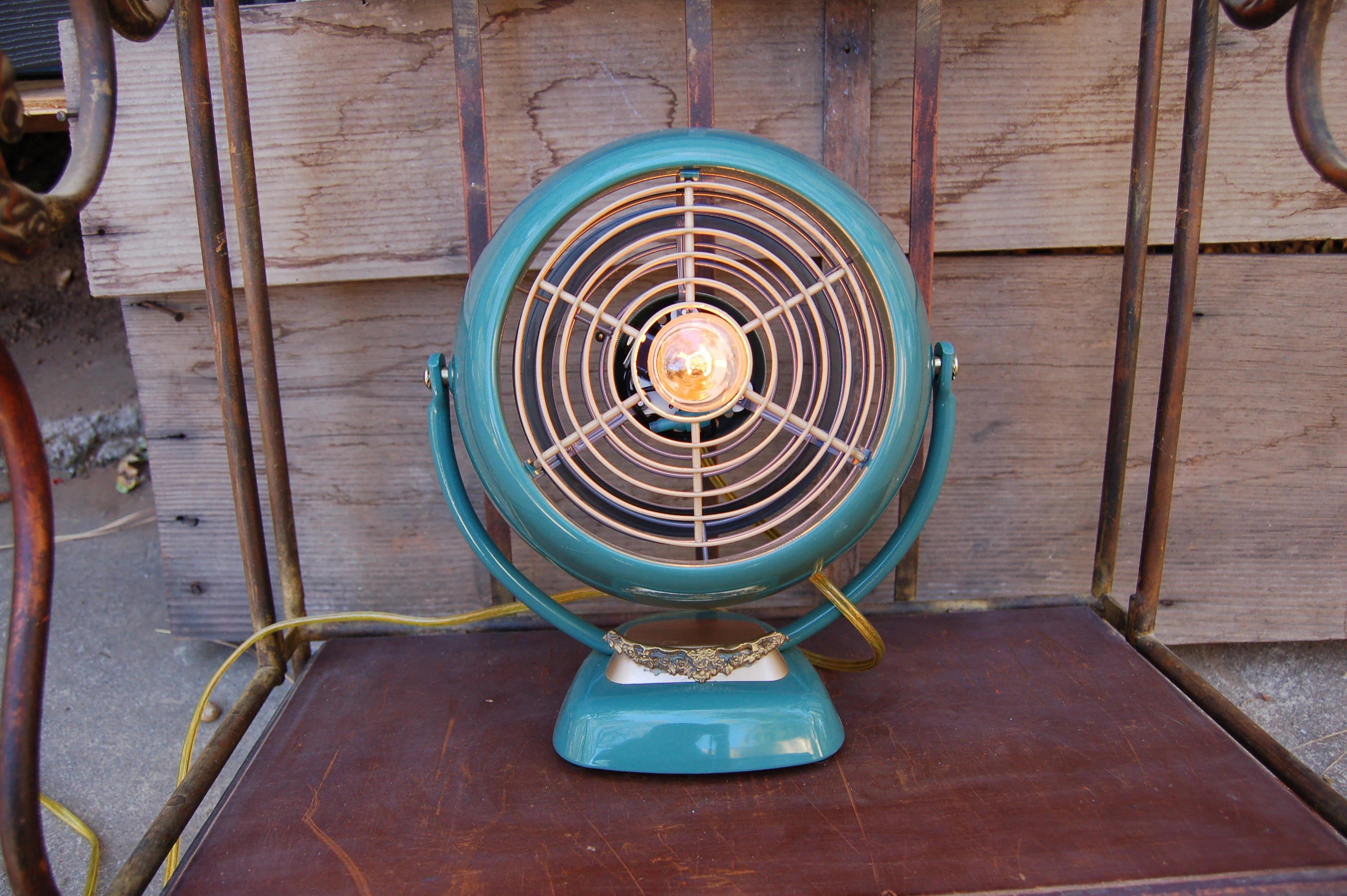 Vintage Looking Fan Vintage Looking Fan Made Into A Lamp