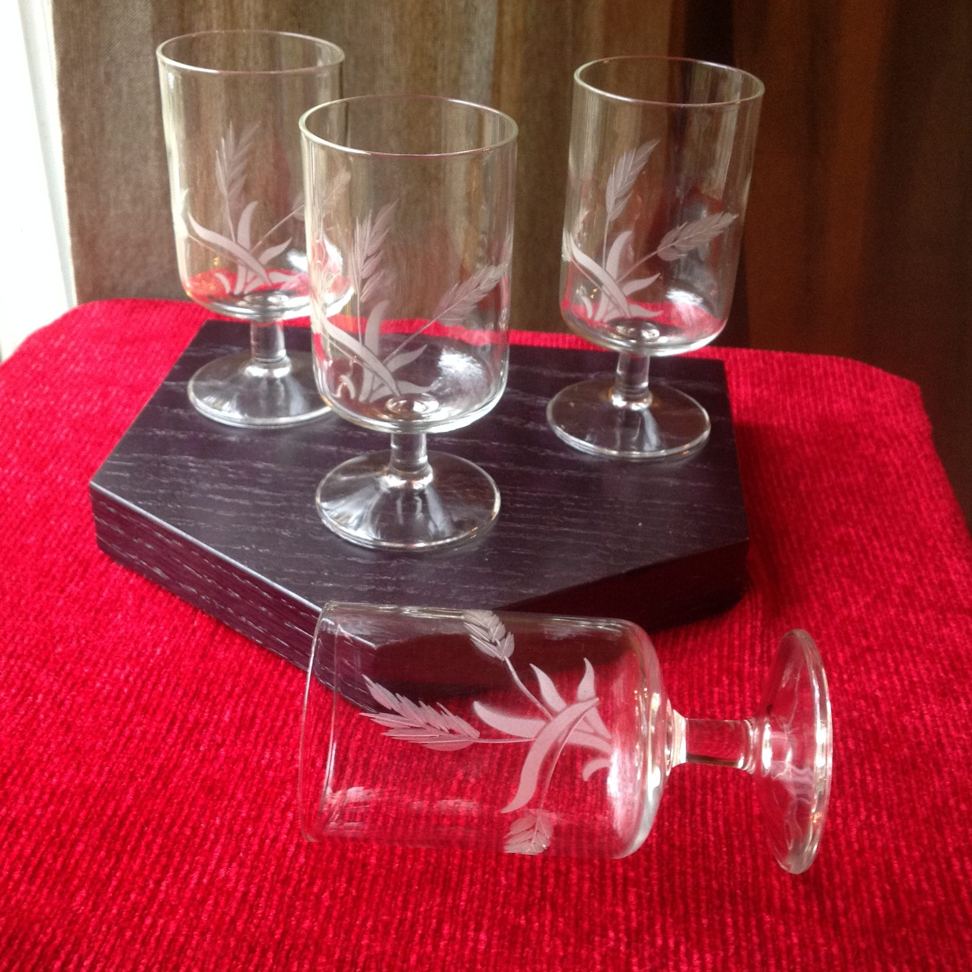 Flat Bottom Stem Wine Glasses 4 Pc Small Stemmed Wine Brandy Juice Glasses With Etched Wheat Pattern