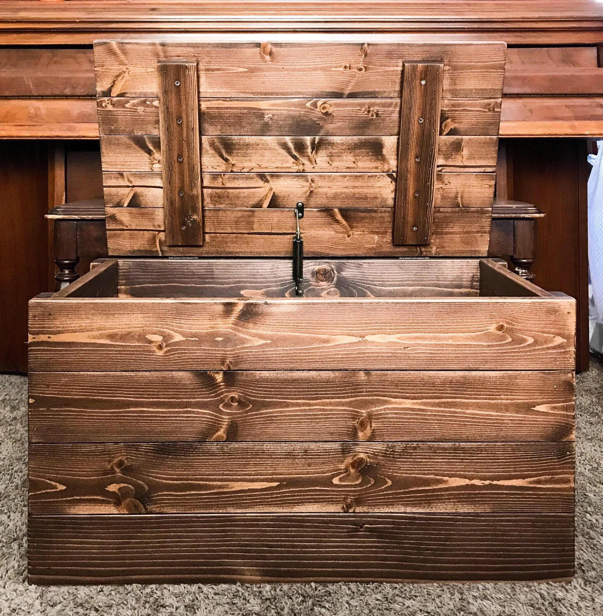Wood Blanket Box Rustic Wood Storage Trunk Blanket Chest Square Stock Wood Dark Walnut