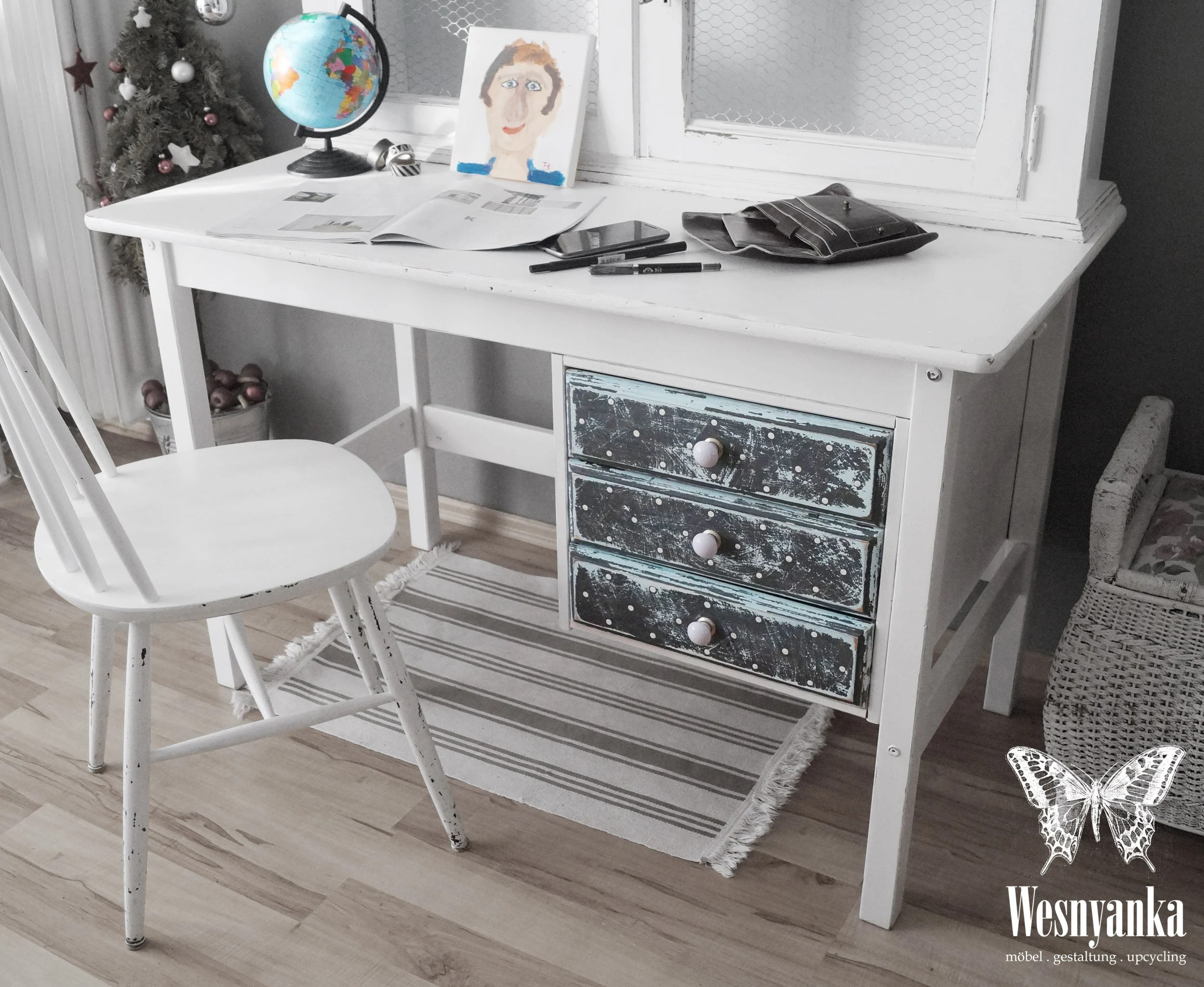 Möbel Im Shabby Look Work Table In The Shabby Chic Polka Dots