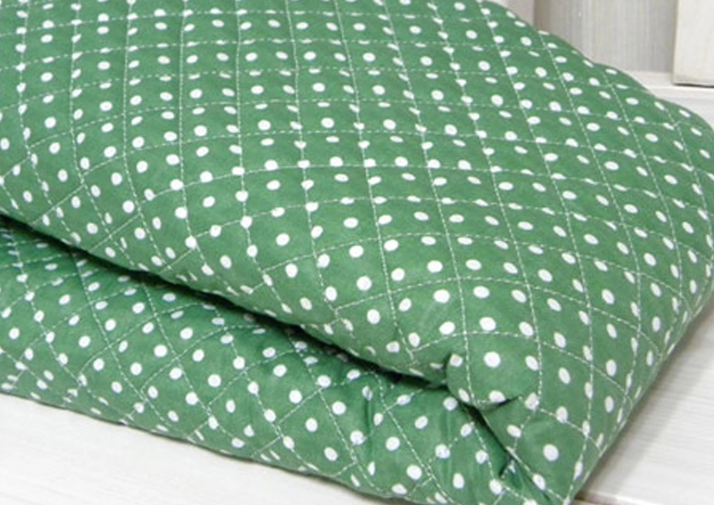 Quilted Fabric Green Back Ground Polka Dot Ready Quilted Fabric By The Yard Cotton Blend Polycotton Pre Quilted Padded Yk Fabrics Jq40
