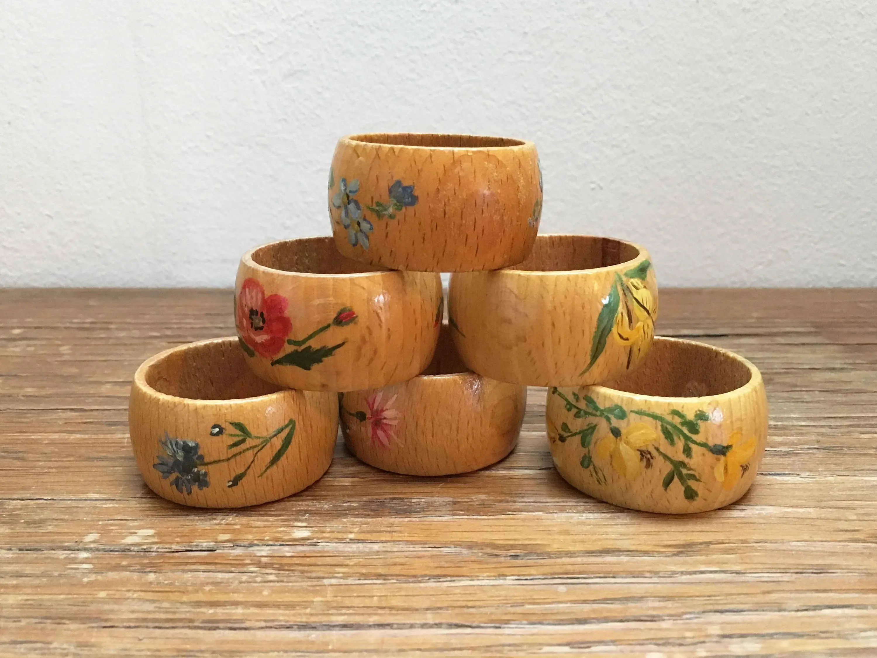 Houten Cilinder 6 Houten Servetringen Vintage Hand Painted Napkin Rings Retro Floral Dining Room Deco Flowered Boho Table Decor Folk Art Decoration
