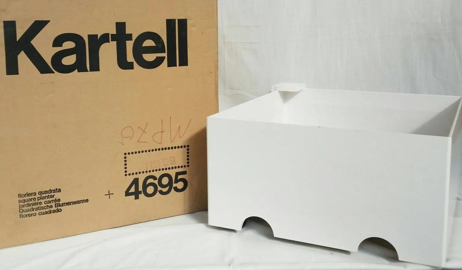 Square Habitat 35 Plant Pot On Wheels Kartell Anni 70