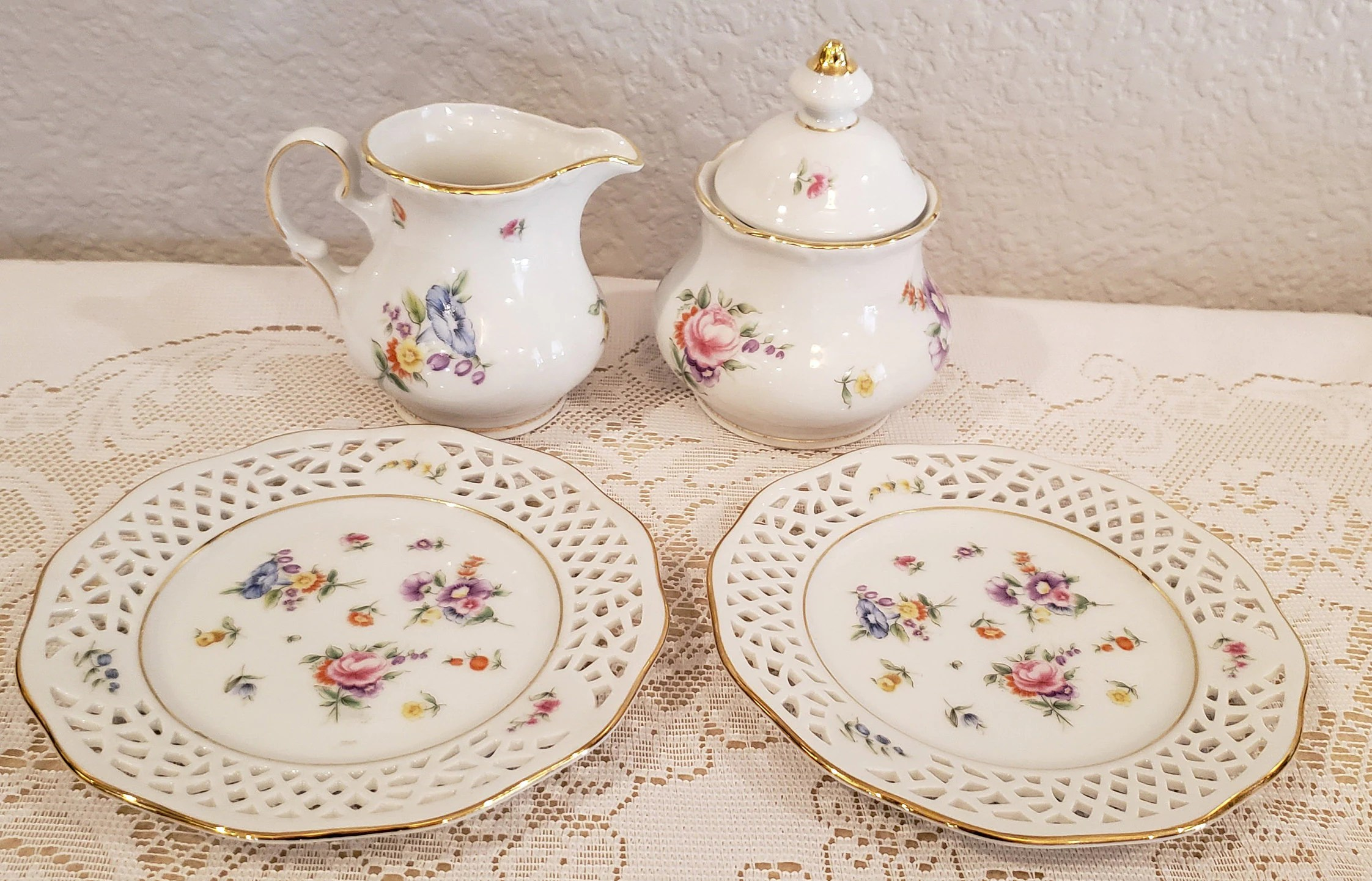 Feines Porzellan Burg Lindau Cream And Sugar Set With 2 Plates Feines Porzellan
