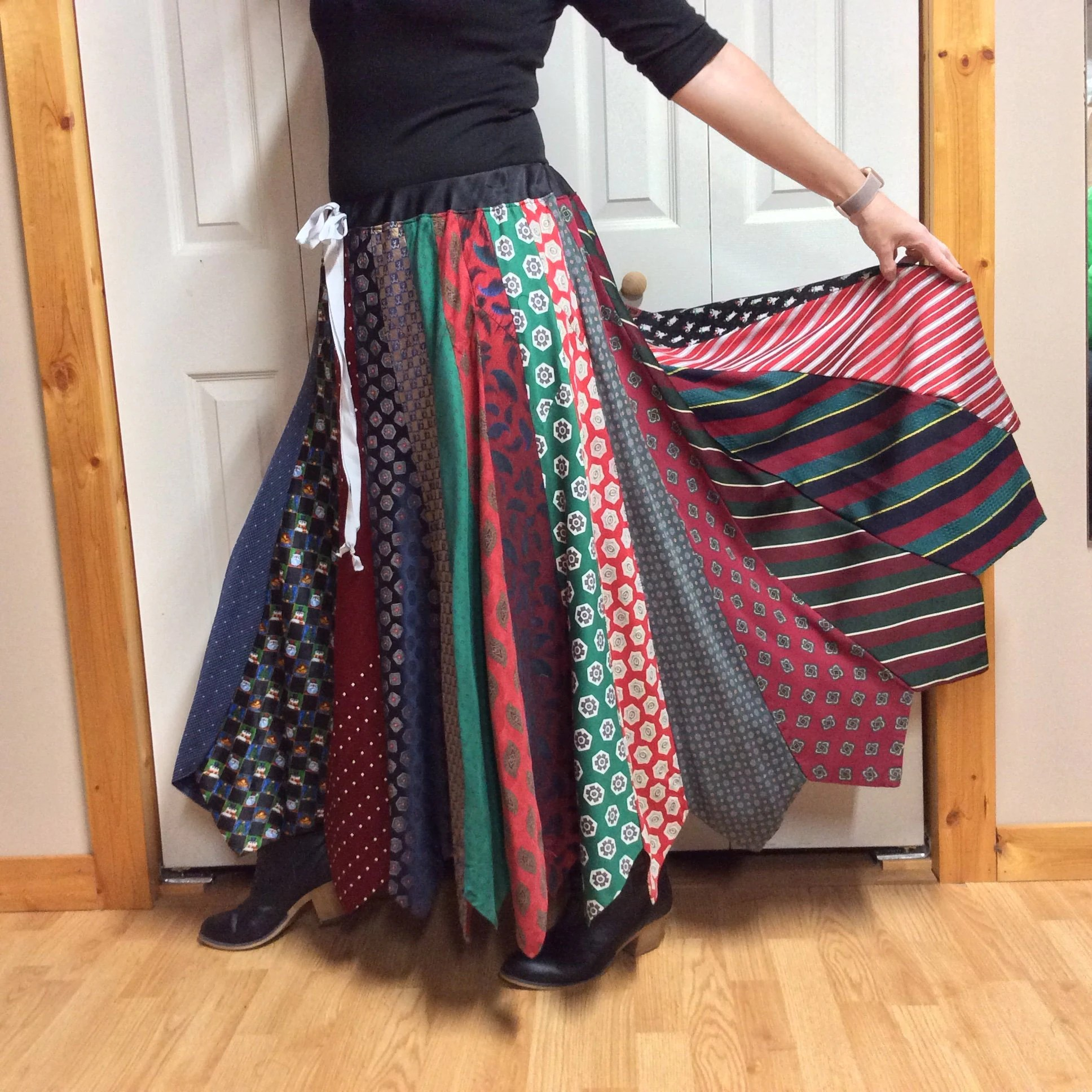 Krawattenrock Christmas Necktie Skirt Plus Size Long Skirt Holiday Party Skirt Woman S L Xl 1x Red And Green Upcycled Recycled Repurposed Clothes