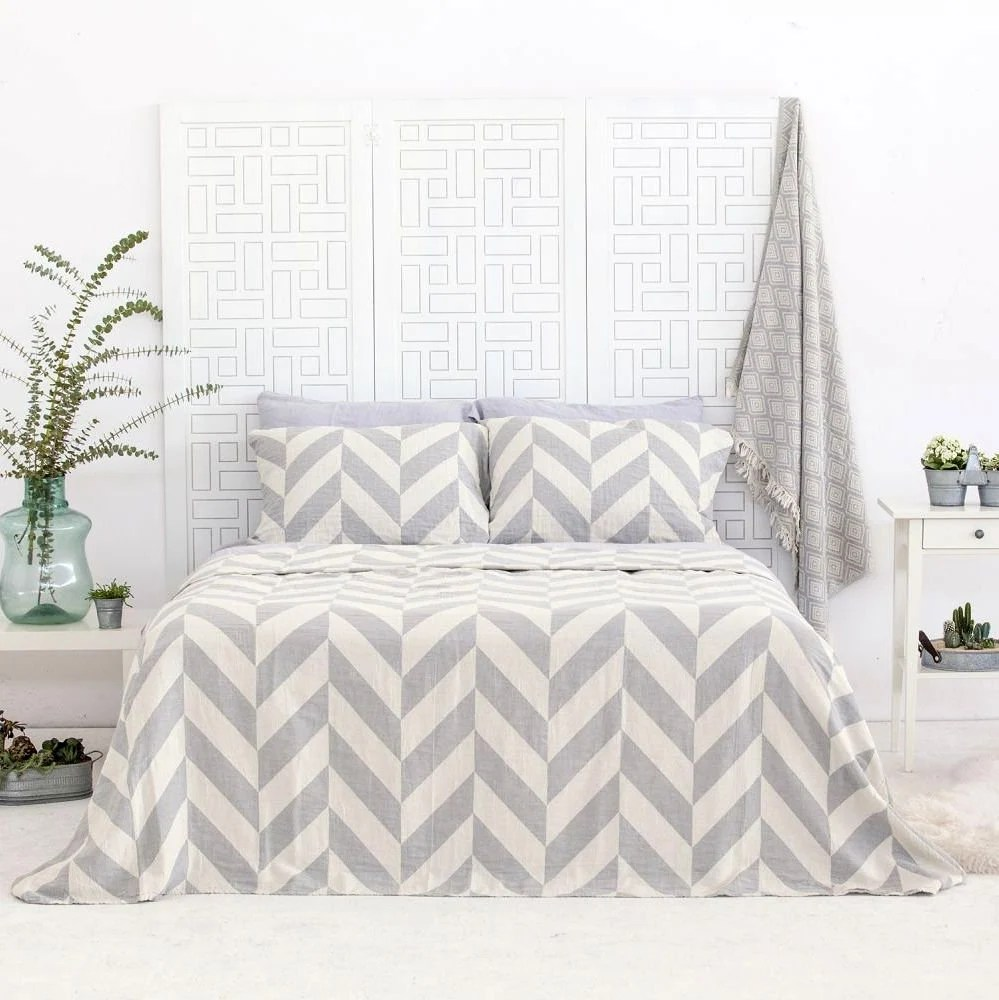 Single Coverlet Bedspread For Twin Single Bed Coverlet In Chevron Pattern 100 Organic Cotton Blanket Grey Natural Ivory Trending Teenager Bedroom
