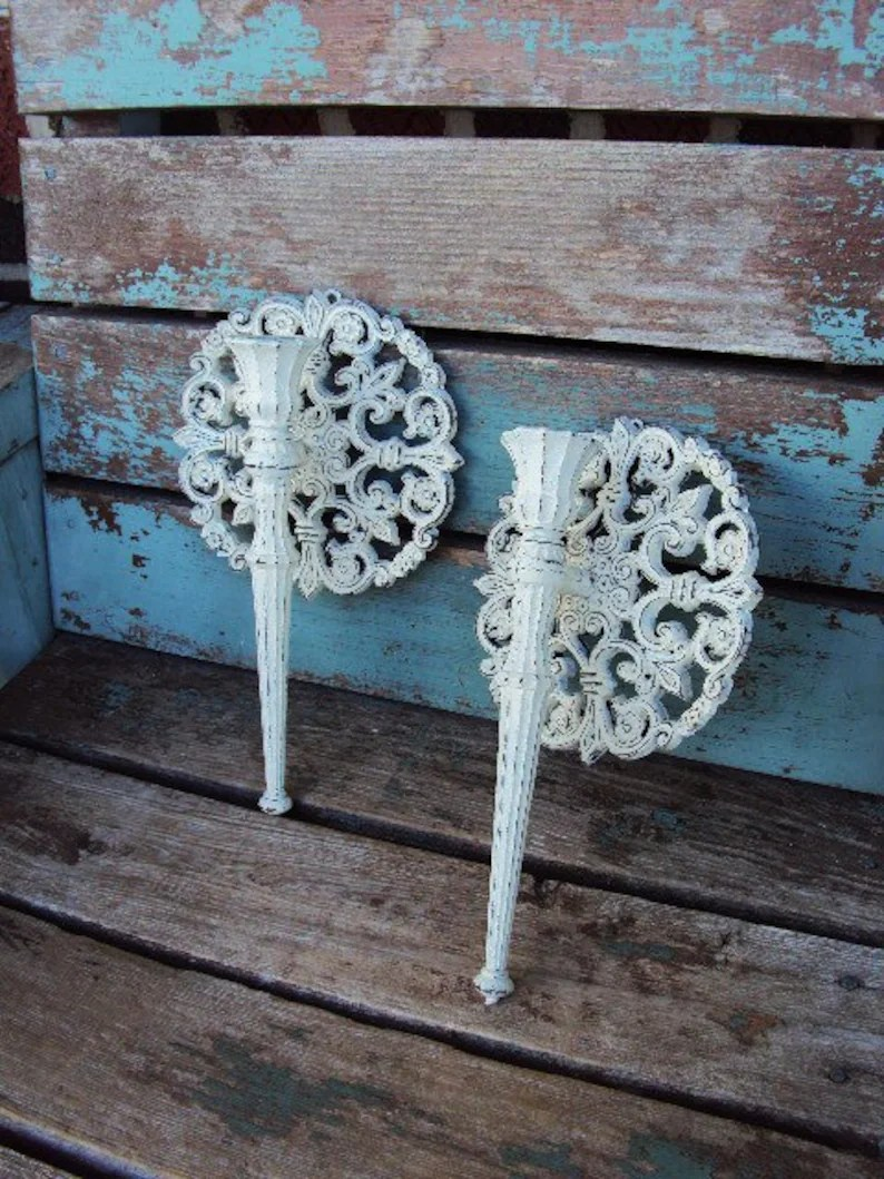 Wandleuchte Shabby Chic Weinlese Shabby Chic Kerzenleuchter Wand Wandleuchte Set Kerze Halter Schale Repurposed Distressed Chippy Barock Verzierten Hollywood Regency