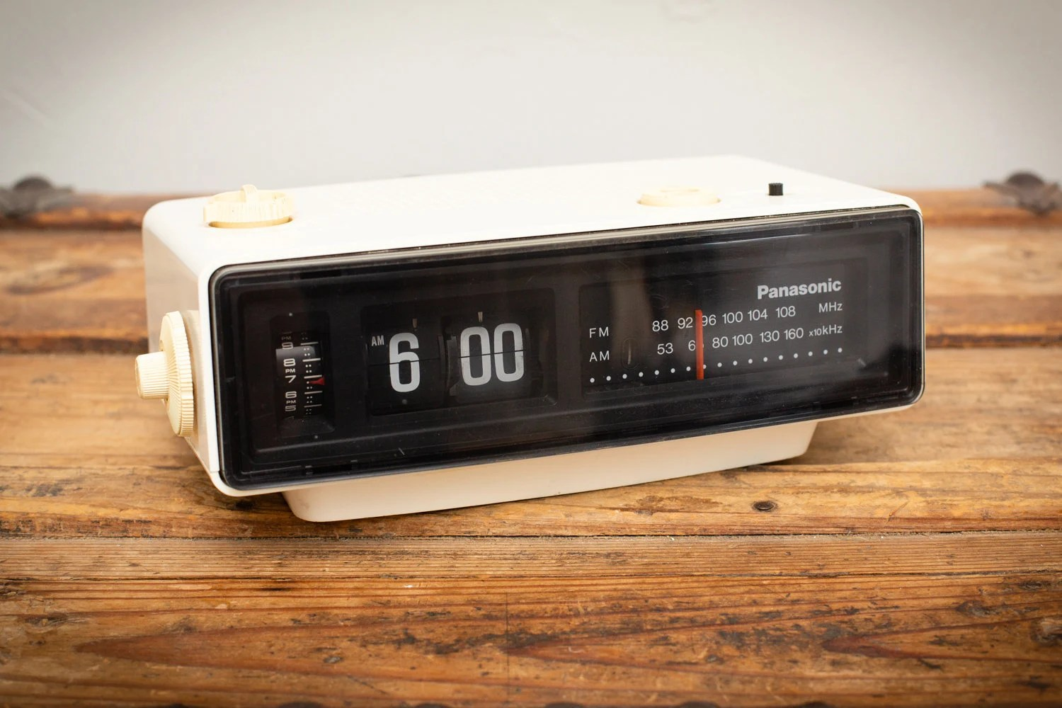 Flip Clock Groundhog Day Flip Clock Panasonic Rc 6025 Vintage 1970s Working Electronic Radio Bill Murray Movie Classic 1990s Film I Got You Babe