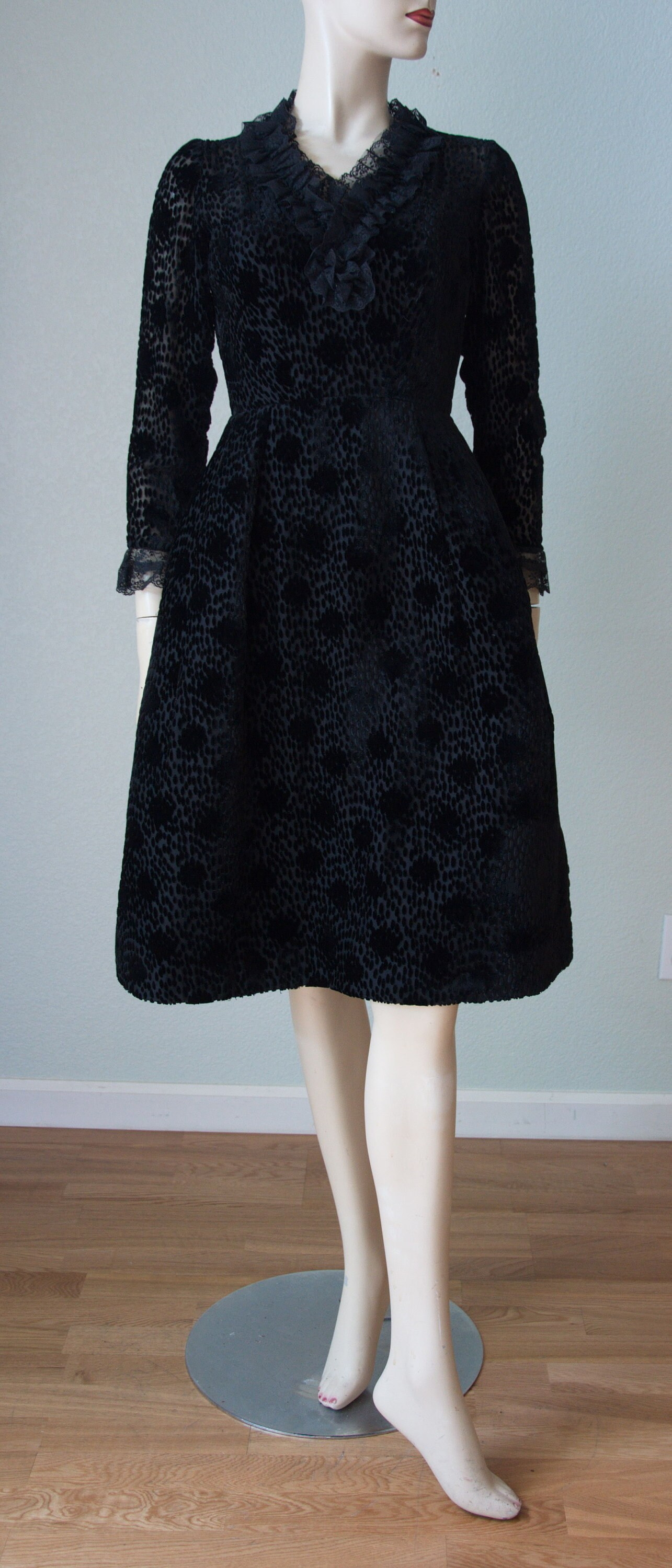 Salon Moderne 1960s Dated Custom Made Saks Dress 1960s Dress Cocktail Dress 60s Couture Dress Cut Velvet Mini Small