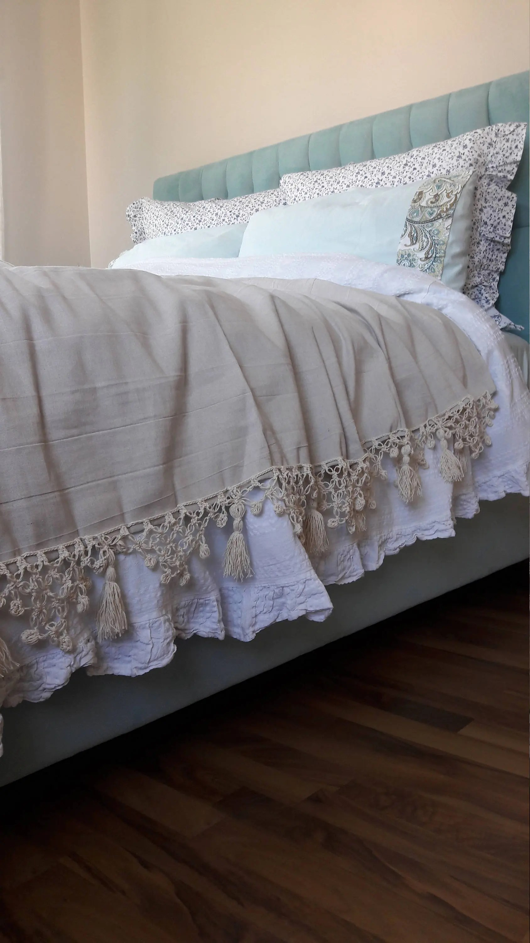 Sofa King Queen Tassel Throw Blanket Bedspread King Queen Shabby Chic Bedding Bed Spread Oatmeal Ivory Crochet Lace Turkish Linen Coverlet Sofa Throw Covers