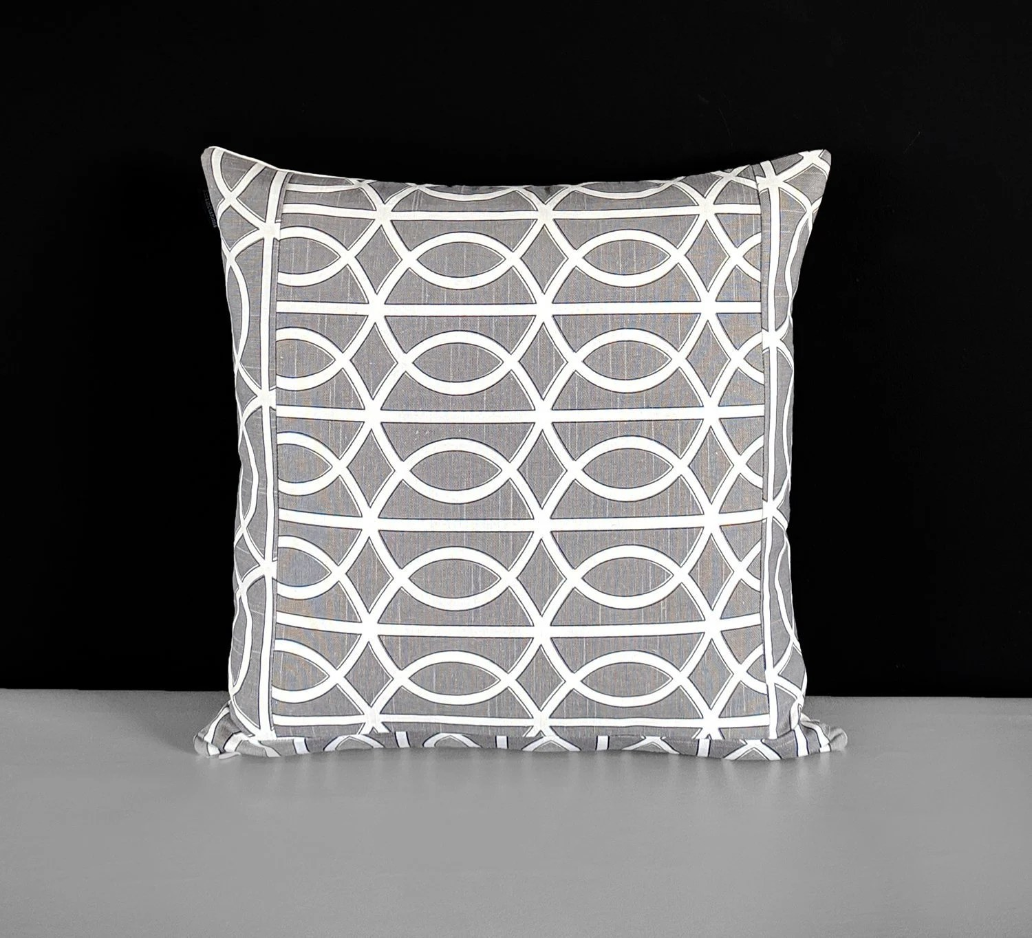 Porte Invisible Patchwork Gray Geometric Pattern Dwell Studio Bella Porte Charcoal