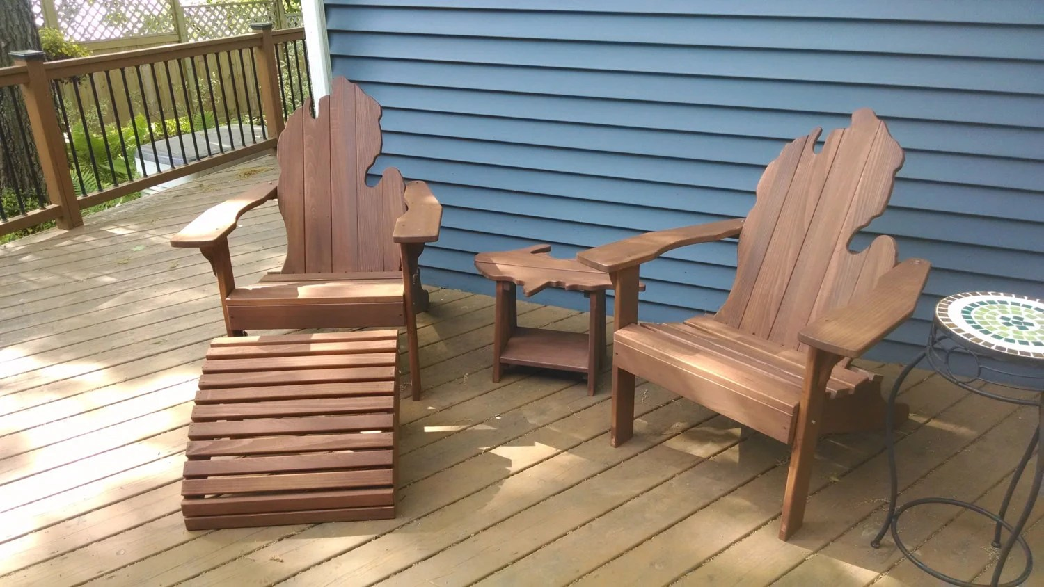 Michigan Adirondack Chairs With Upper Peninsula Side Table