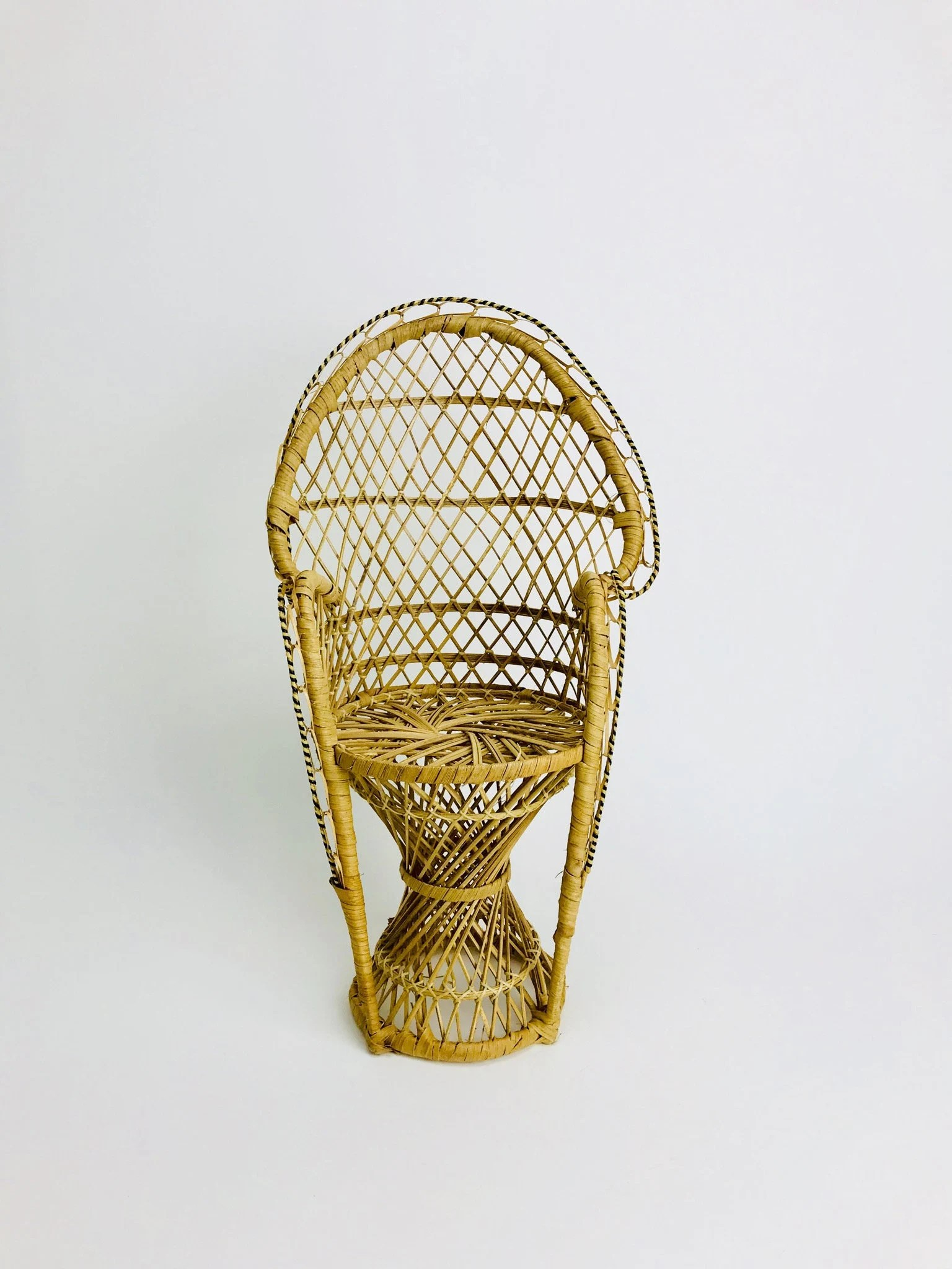 Rattan Hocker Peacock Chair Flower Hocker Decoration Vintage Rattan Nature Bohemia Boho Dolls Bohemia Throne