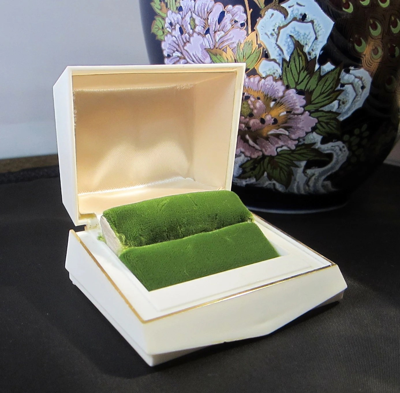 Art Deco Style Jewelry Boxes Presentation Ring Box Art Deco Style Celluoid Plastic Presentation Ring Box Presentation Jewelry Box