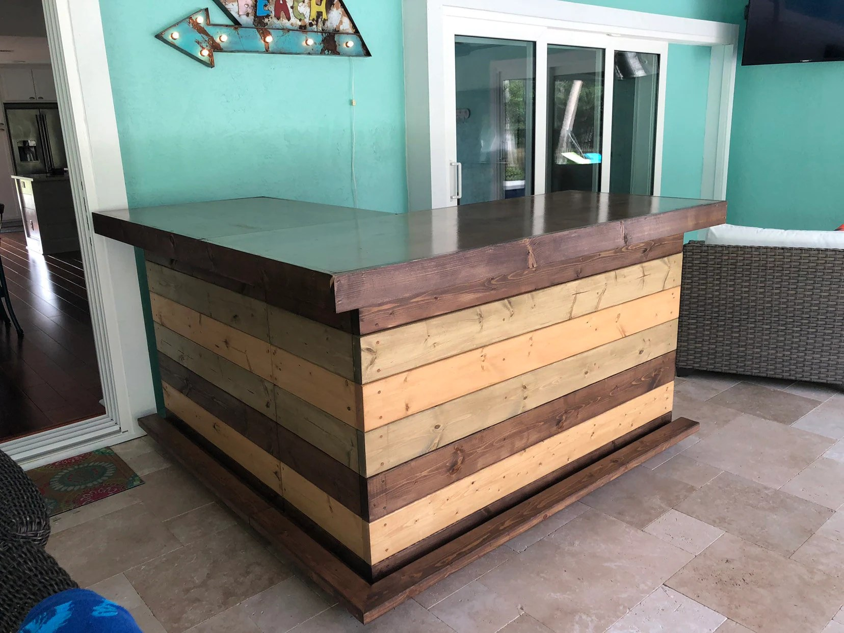 Rustic Style Bar The Rocky Brown Top 6 X 6 Rustic Finished Barnwood Look Or Pallet Style Bar Sales Counter Reception Desk With Footrail