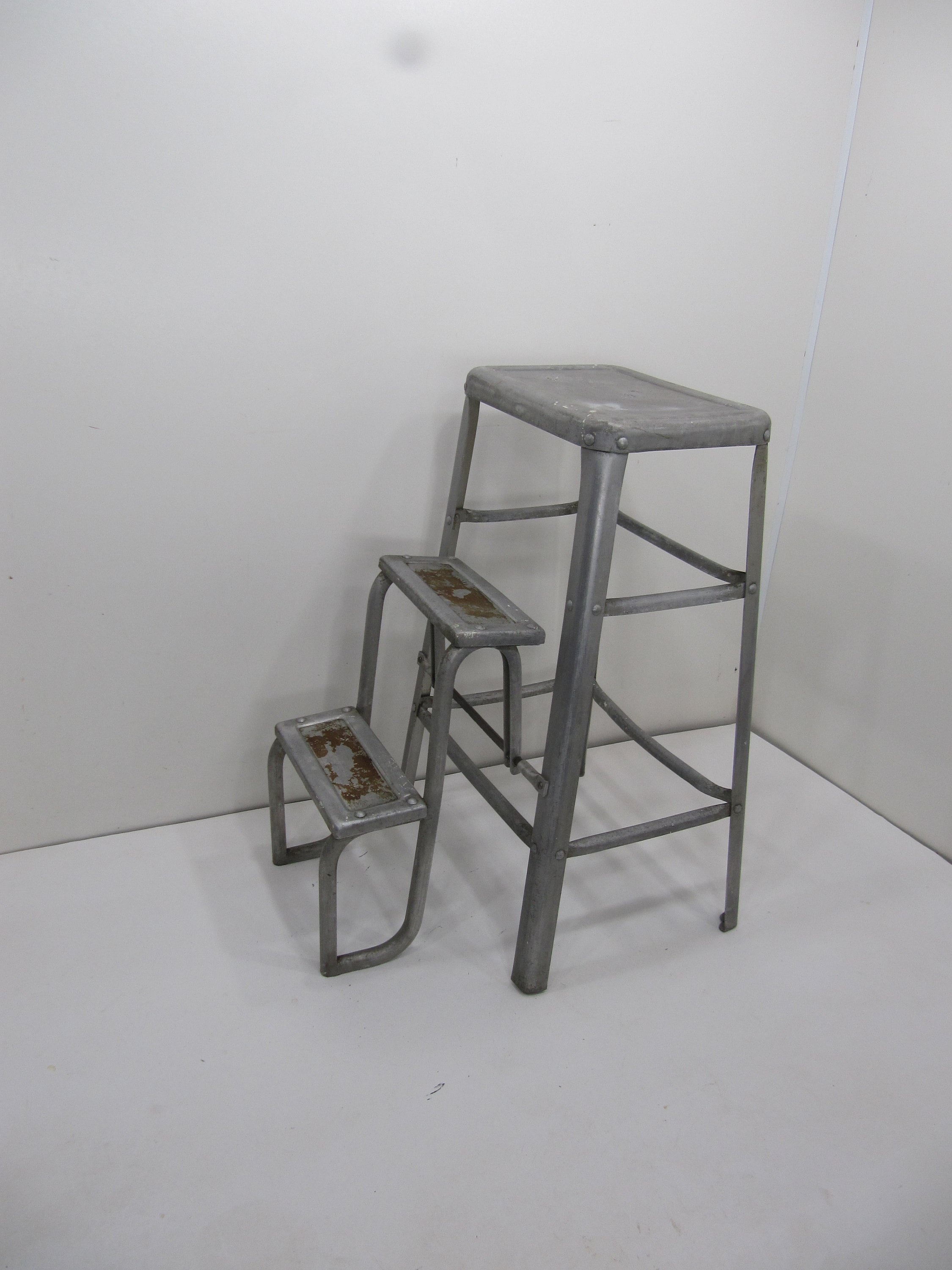 Metal Step Stool Vintage Aluminum Step Stool Farmhouse Metal Step Stool Industrial Stool With Fold Out Steps
