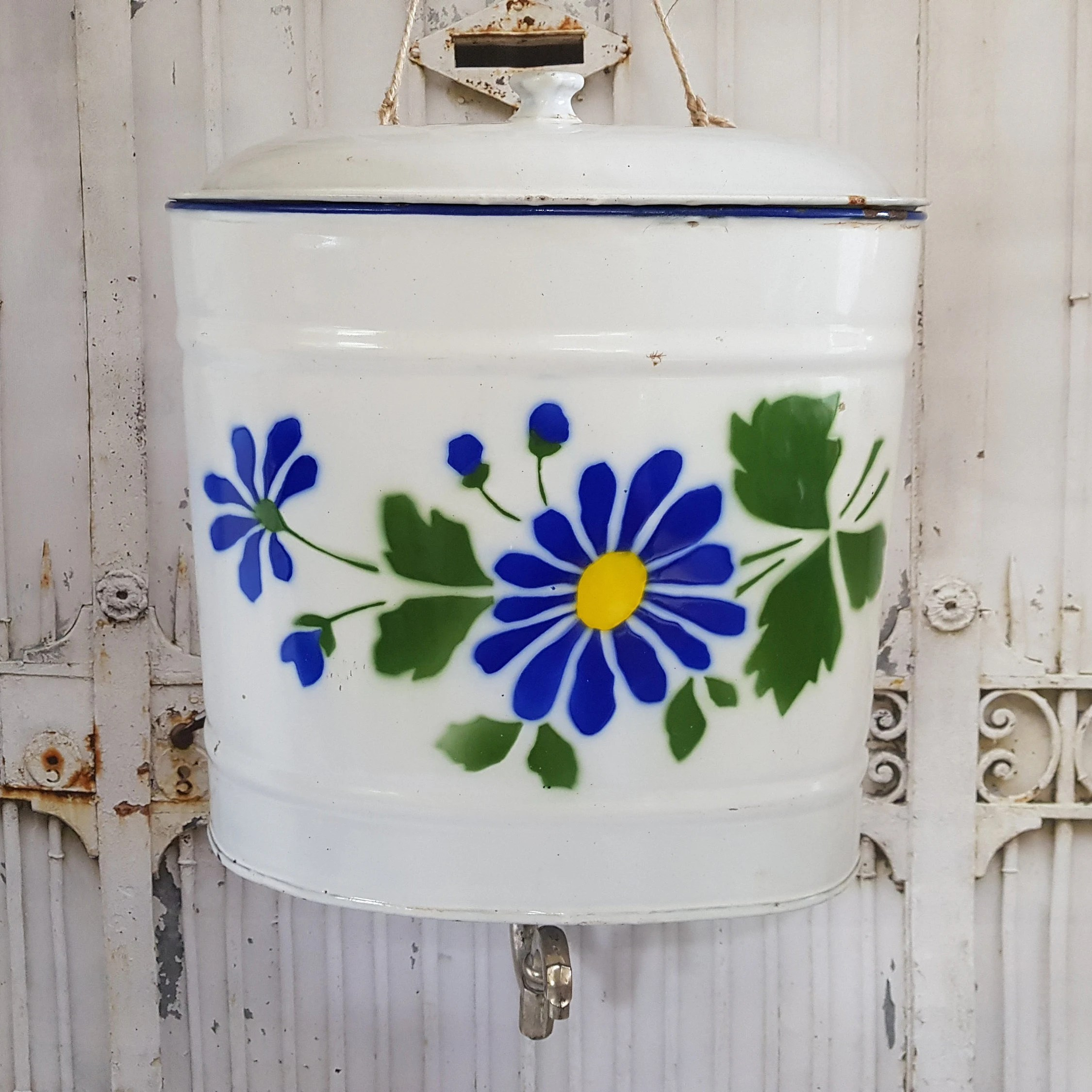 Lavabo Shabby Chic French Vintage Water Lavabo Set Enameled Flowers In Blue And Green Shabby Chic French Enamelware Bathroom Decor Garden Decor