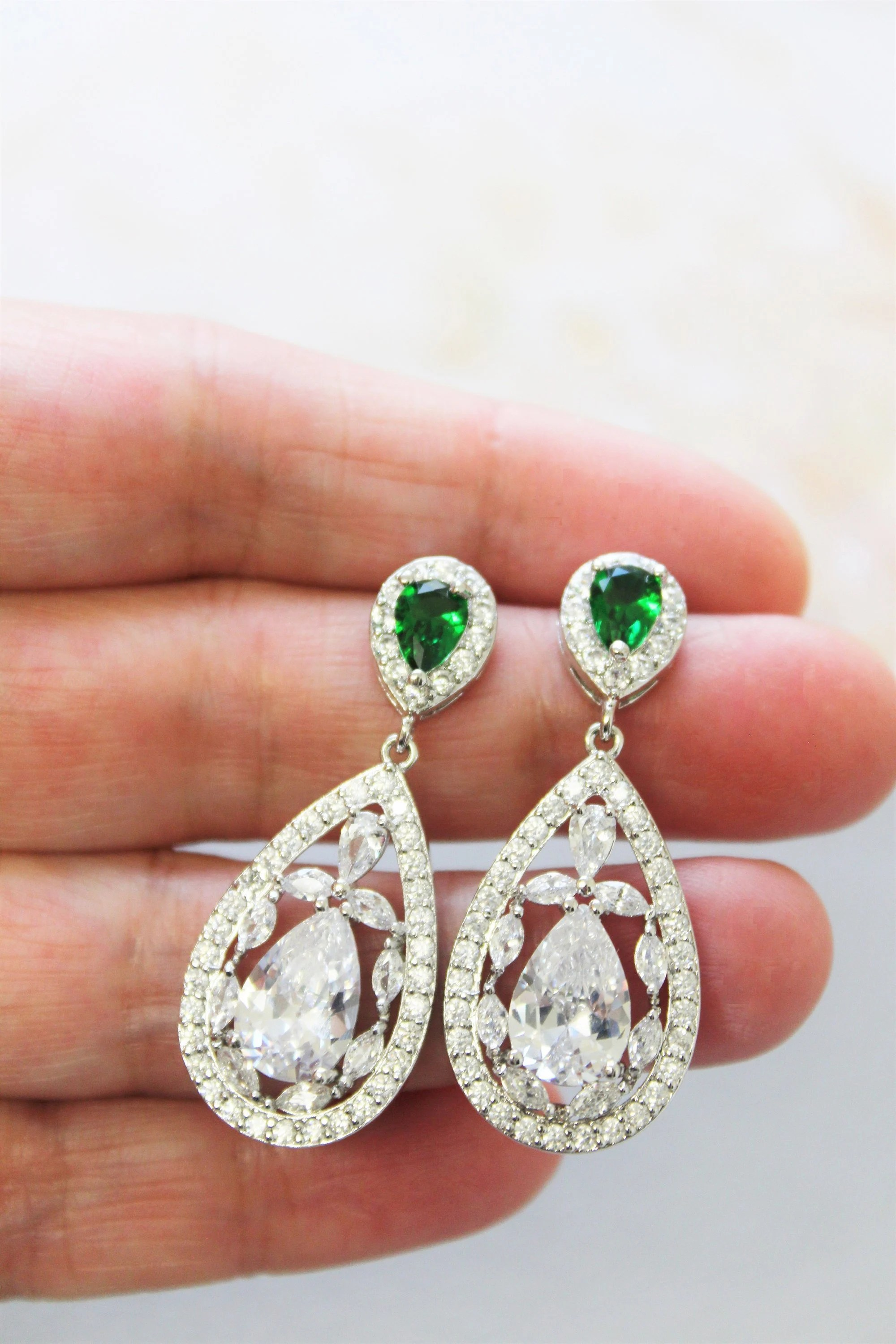 Art Deco Style Earrings Uk Art Deco Earrings Green Bridal Earrings Wedding Jewelry Silver Crystal Earrings Zircon Earrings Emerald Earrings Uk