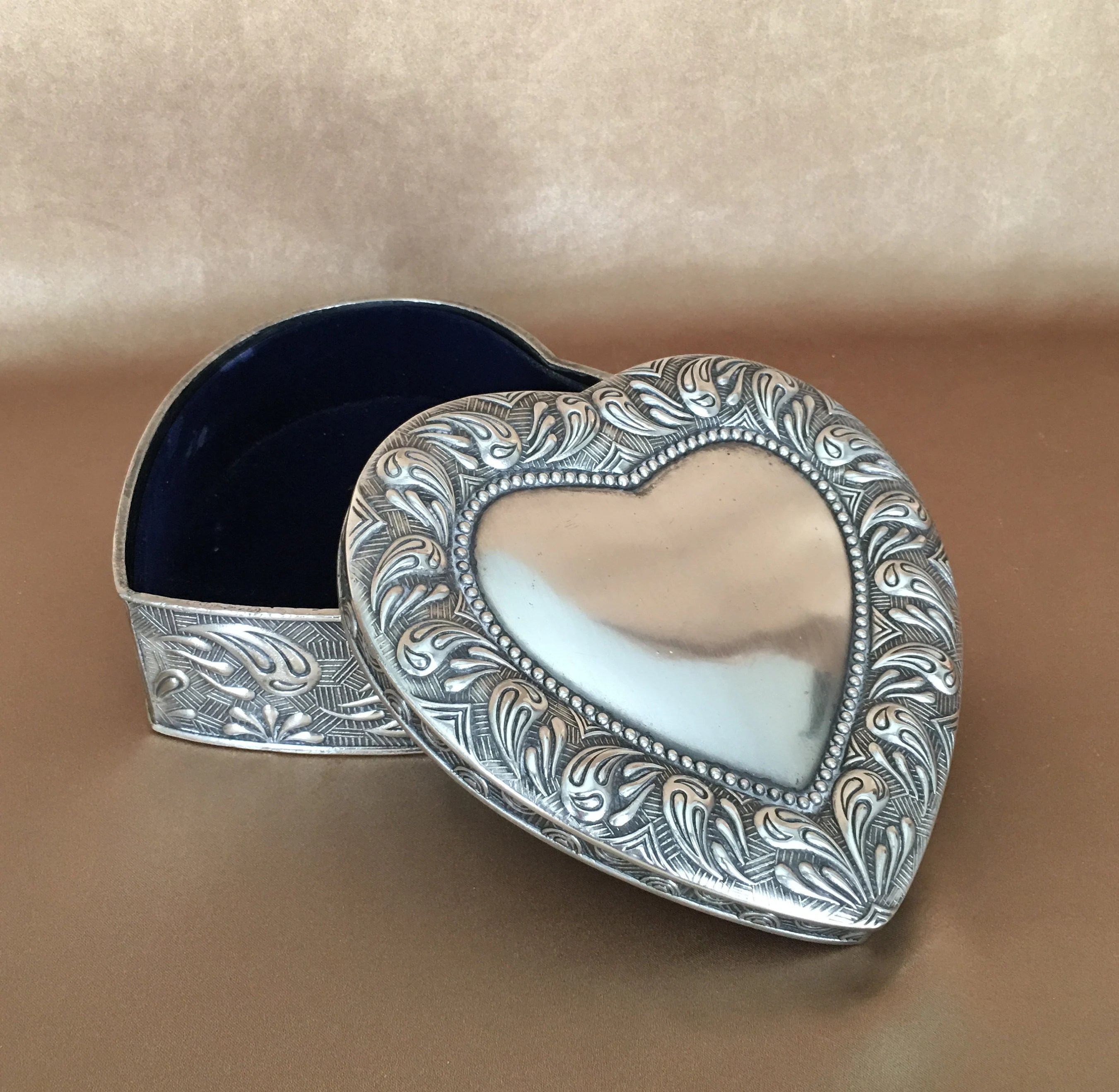 Art Deco Style Jewelry Boxes Silver Jewelry Box Lidded Heart Shape Large Heavy Art Deco Style Embossed Silver Plate Vanity Piece Vintage Wedding Bridesmaid Gift