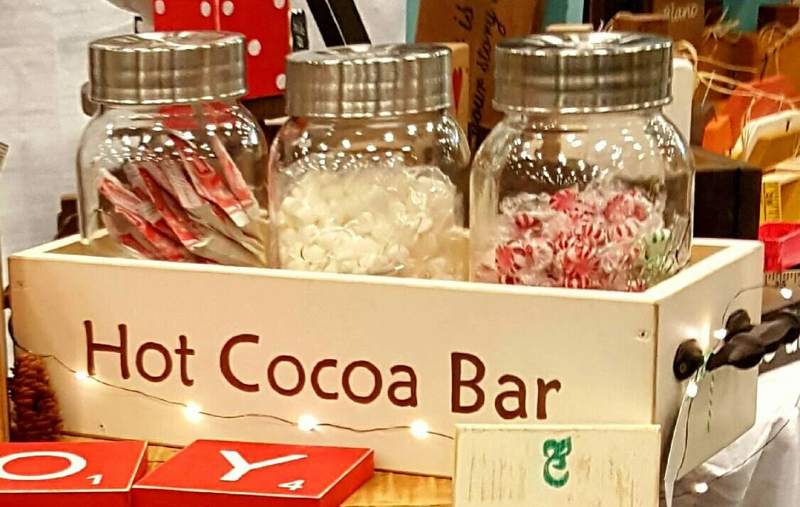 Container Haus Winterfest Hot Chocolate Bar Station Wedding Server Hot Cocoa Bar Box Ski Lodge Cabin Home Accent Hot Chocolate Campfire Holiday Decor Rustic Box