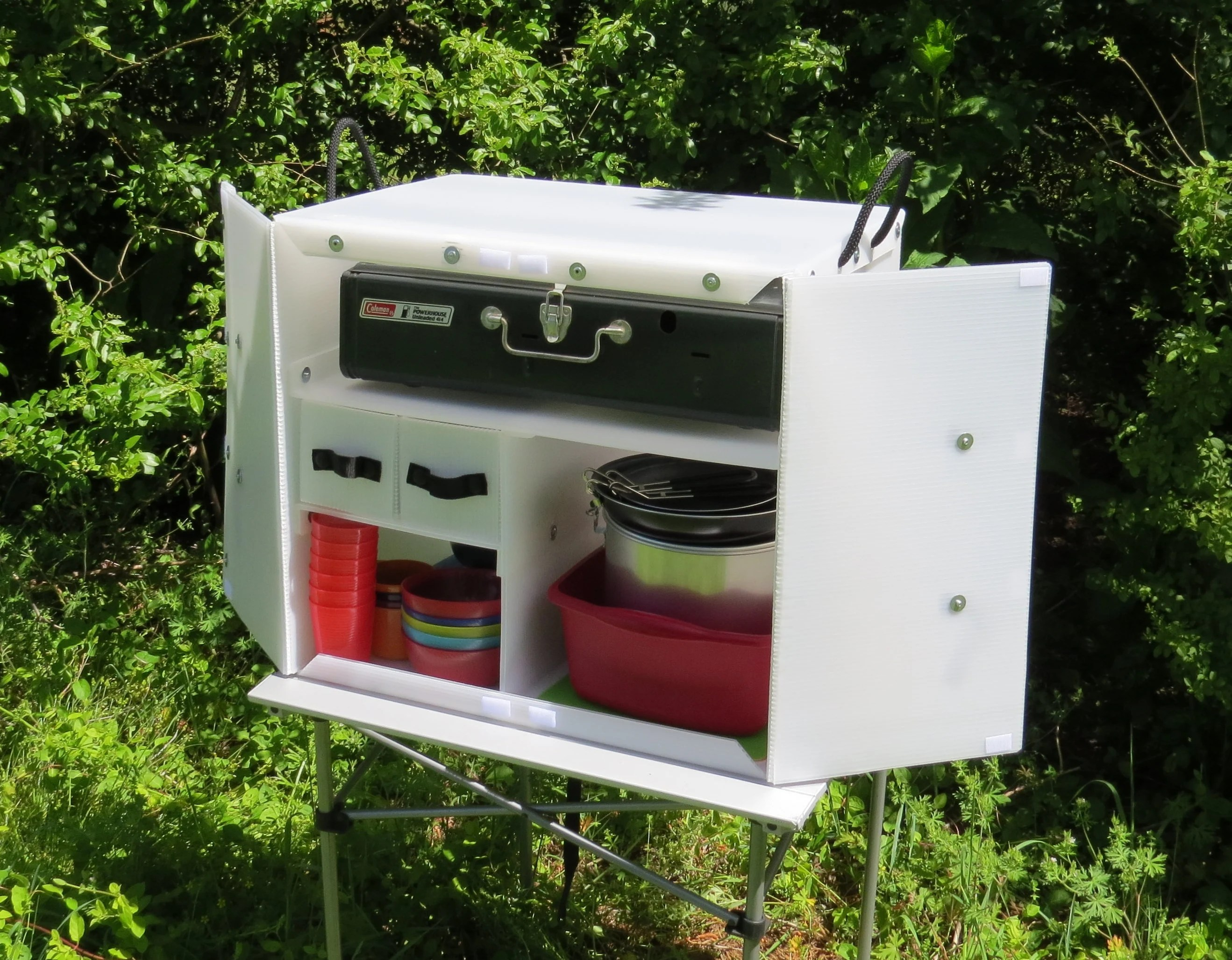 Coleman Outdoor Küche The Camping Kitchen Box 1000 Keep Your Camp Kitchen Organized And Ready For Adventure With This Lightweight Plastic Chuck Box