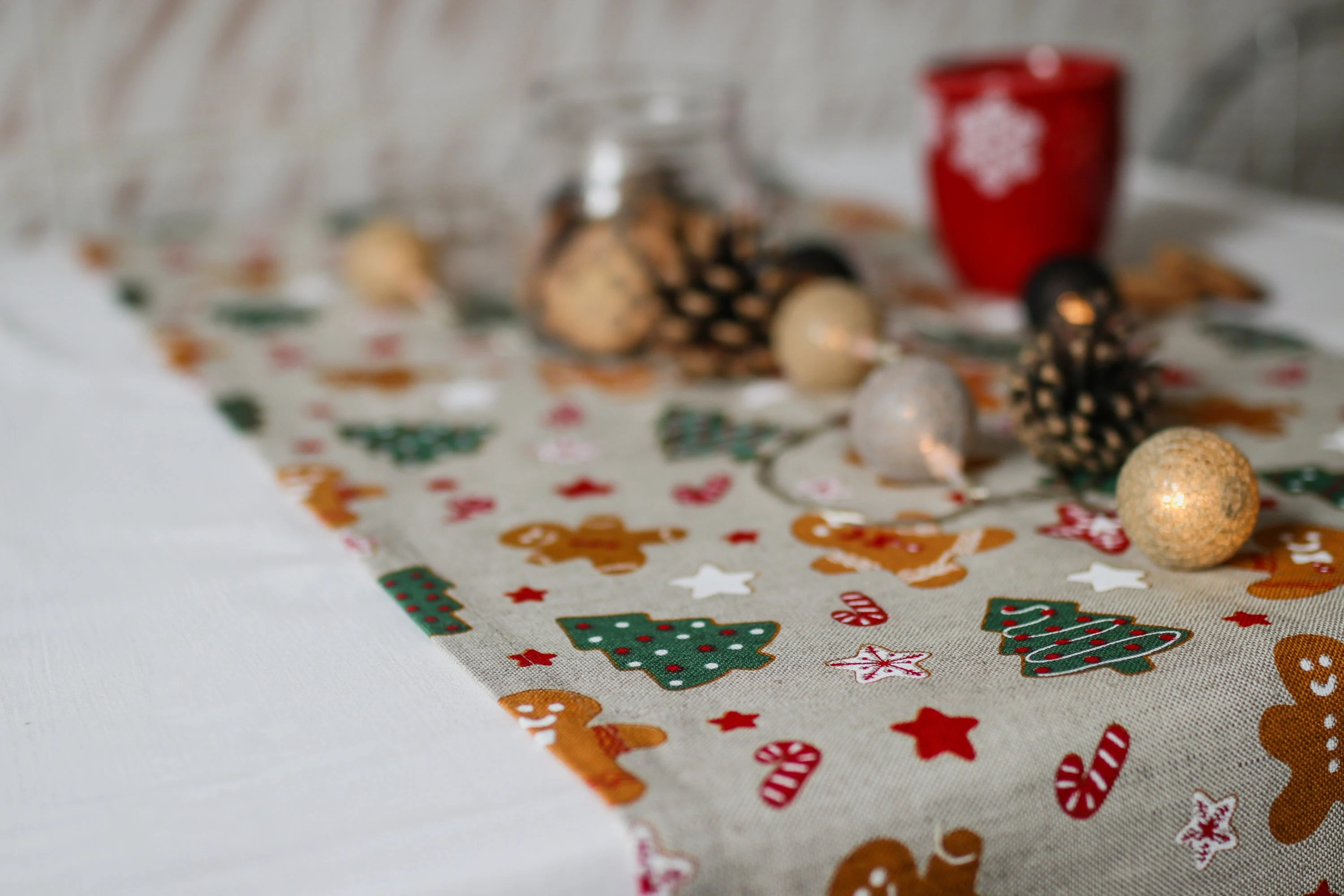 Christmas Tablecloths Australia Xmas Linen Table Runner For Christmas Table Decoration Or Christmas Gift Christmas Linen Table Cloth Rustic Linen Christmas Table Runners