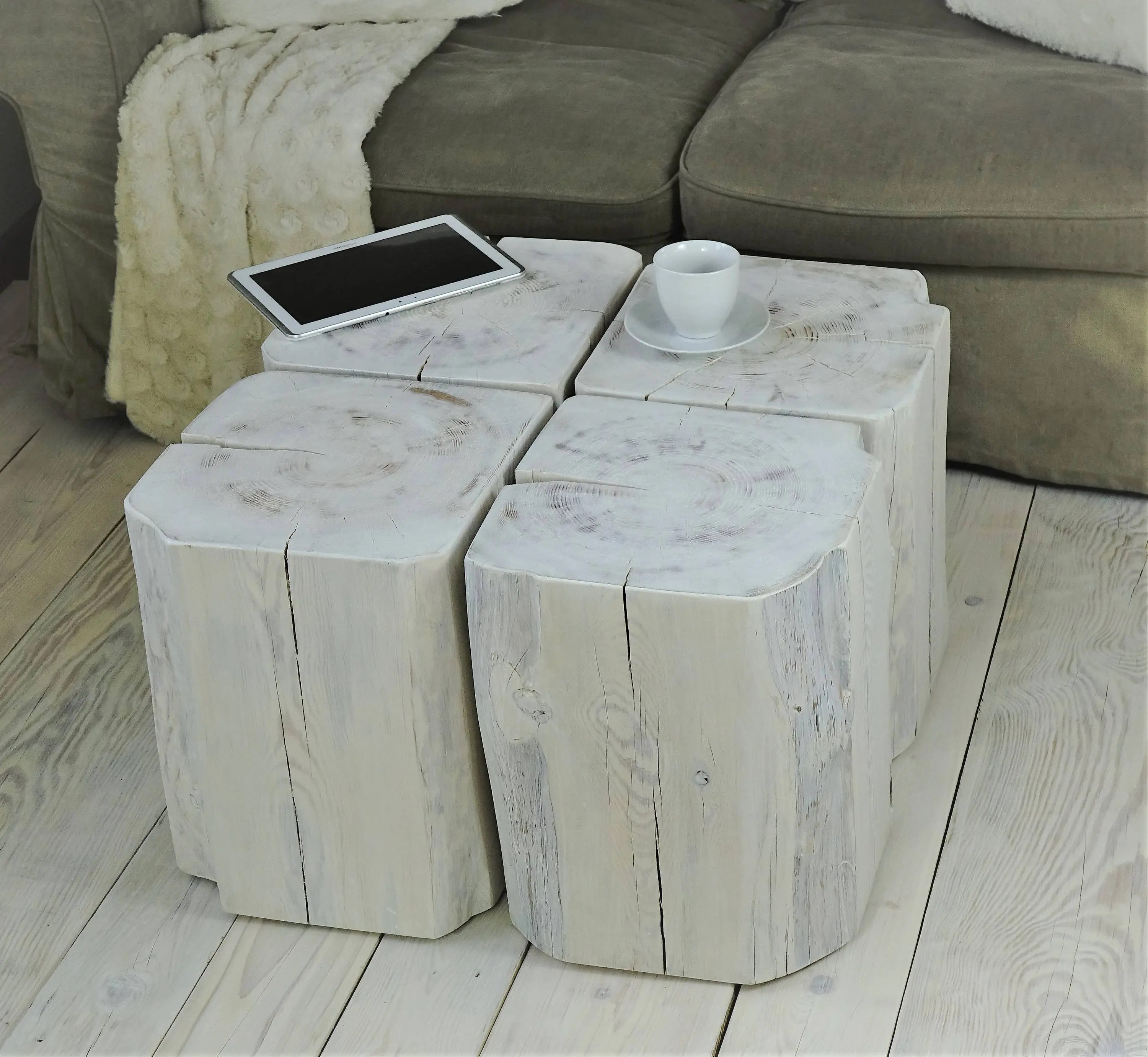 White Wood Block Side Table Set Of Stump Square Blocks Weiss Couchtisch Holz Baumblöcke Sgabello Ceppo Di Legno