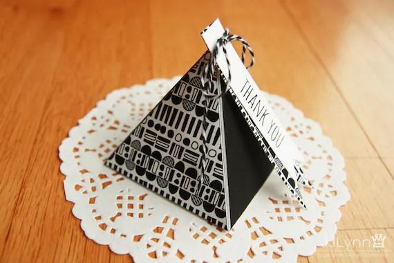 2 color pyramid box template/printable gift box/small box Etsy