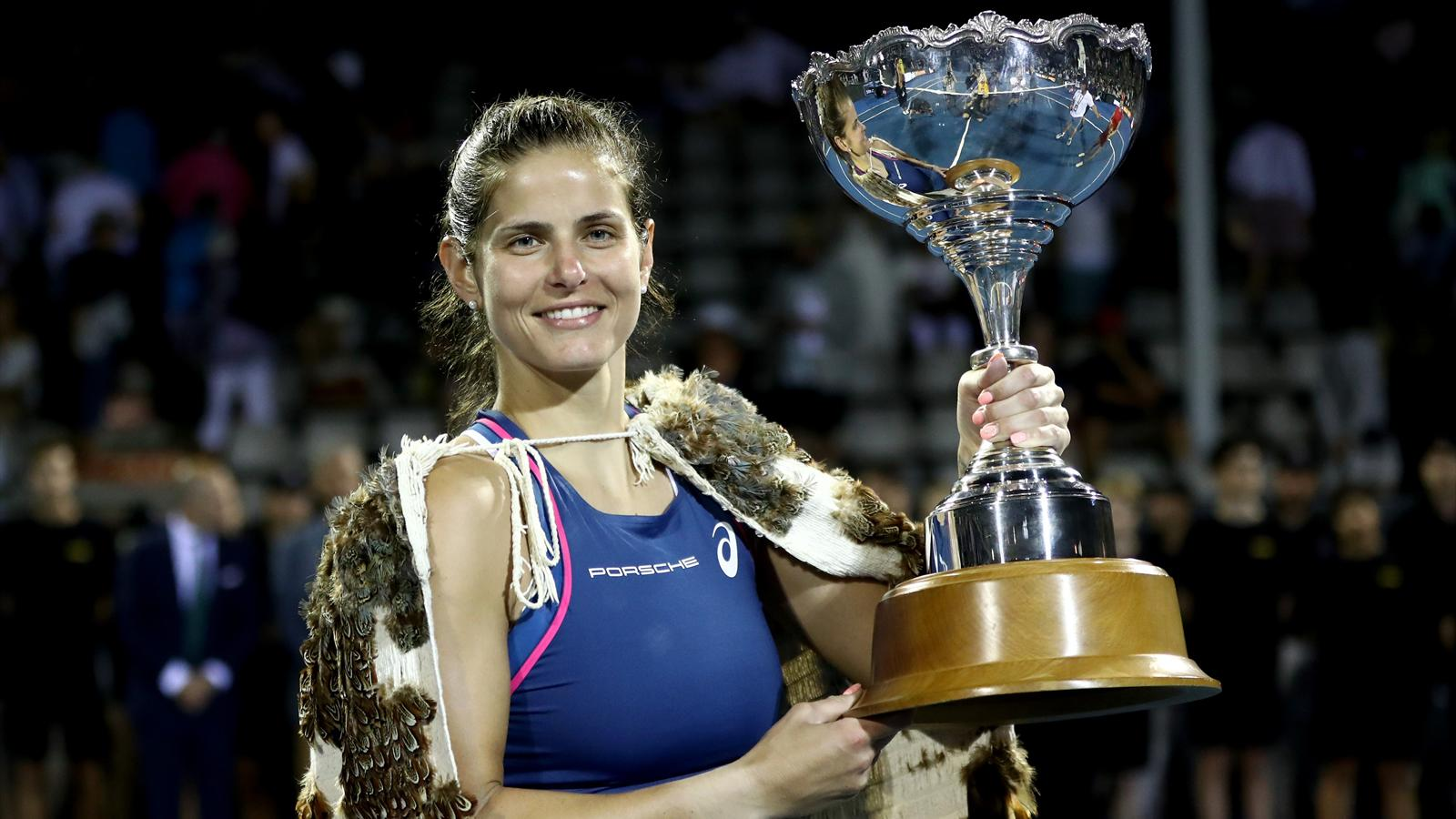 Tennis News Julia Goerges Rallies Past Teen Bianca
