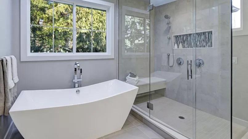 Douche ou baignoire ? Les Français préfèrent avoir les deux - Salle De Bain Avec Douche Et Baignoire