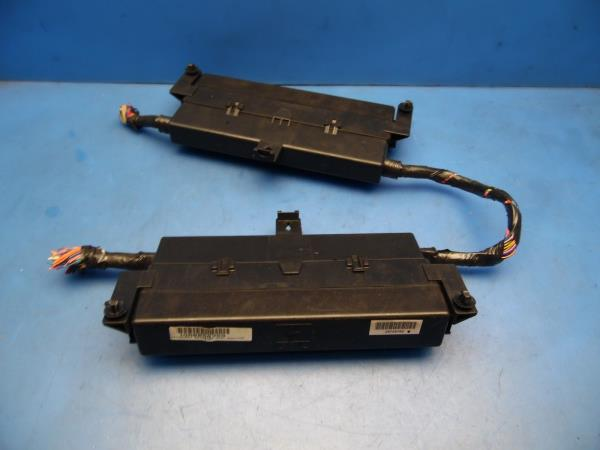 03-07 Cadillac CTS OEM under hood fuse box with fuses  relays