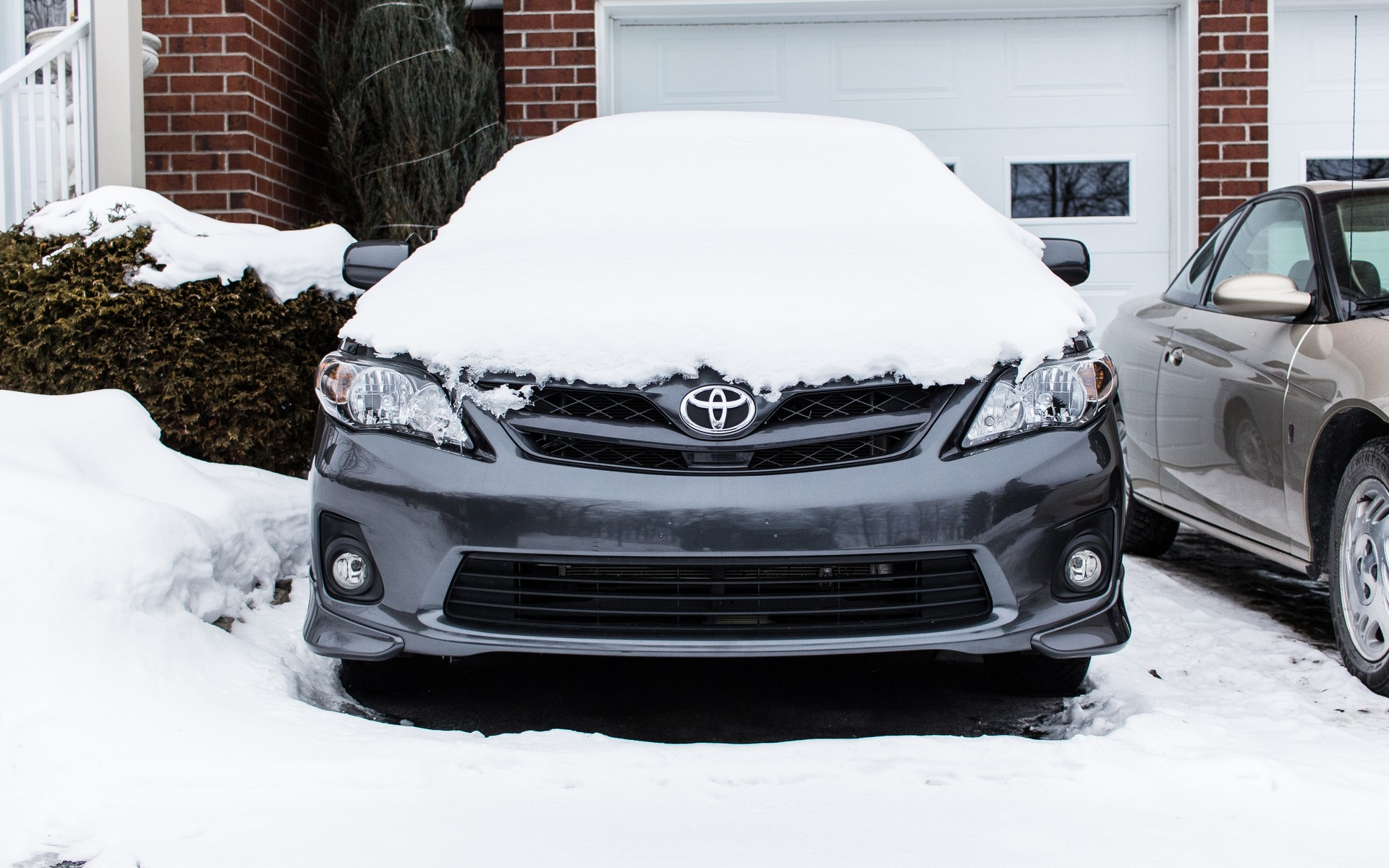 Bein Tv Grille Car In The Garage In Winter Good Or Bad The Car Guide