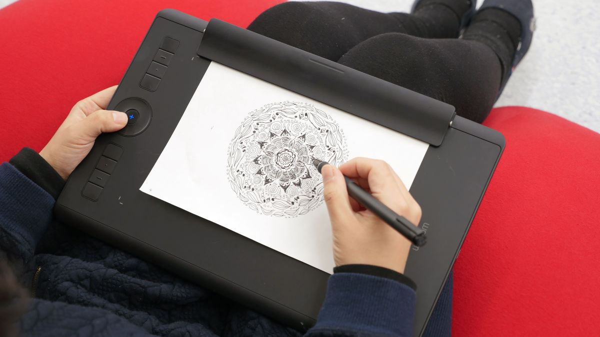 Flossy A Pc A Pen Also As A Pen Tab Wacom Intuos Pro Paper Edition Laying Illustration Wacom Intuos Pro Paper Edition Laying Illustration Drawnwith Paper Loading It dpreview Wacom Intuos Pro Driver