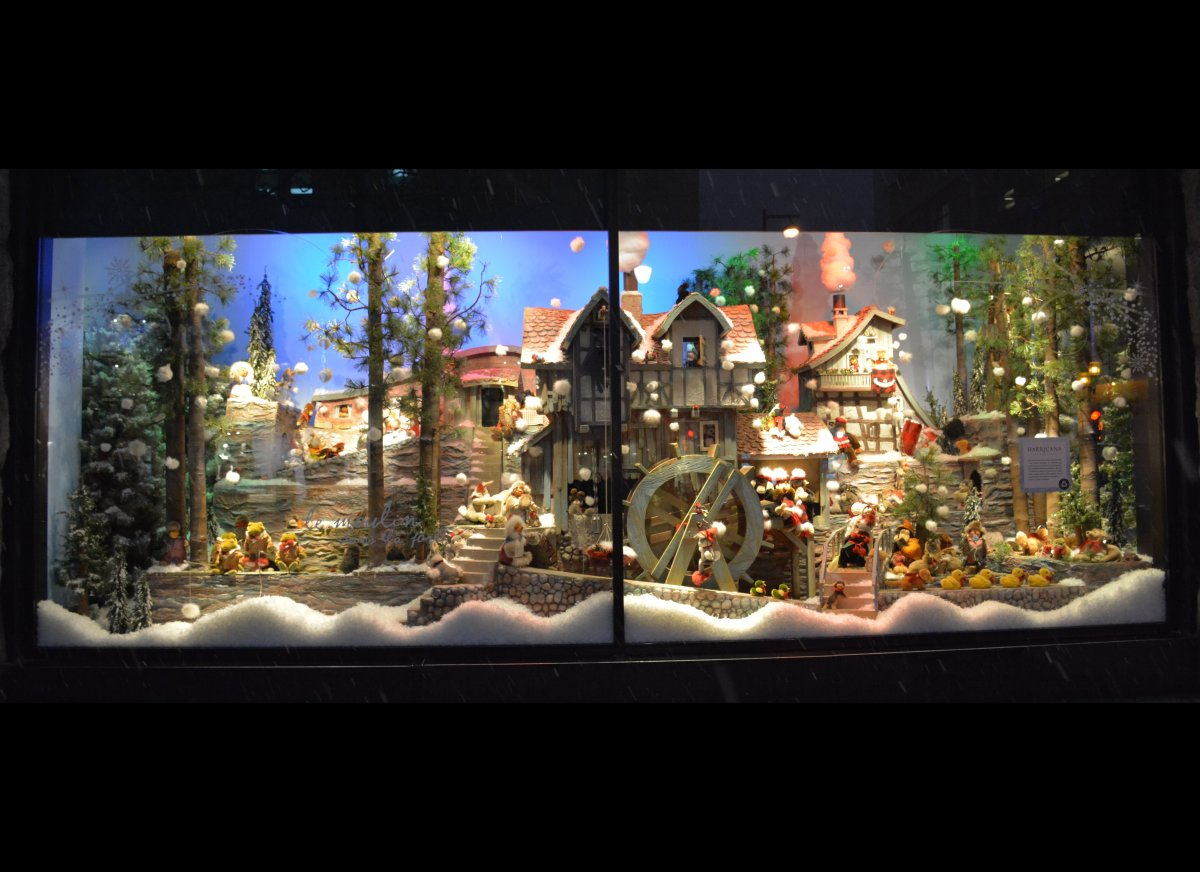 Lighting Stores In Montreal Top 11 Festive Window Displays Around The World Huffpost