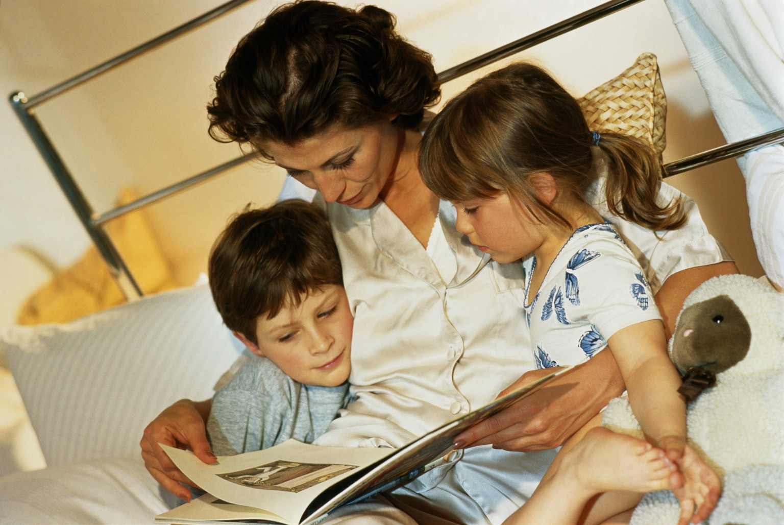Storytelling Can Help Your Children Sleep Better And