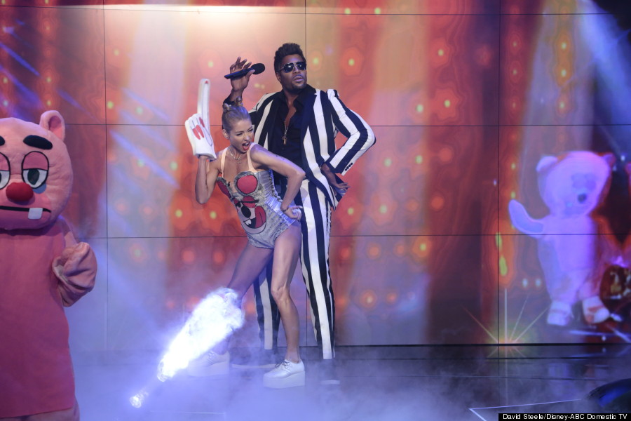 Celebrity: All The 'Live With Kelly And Michael' Halloween Costumes