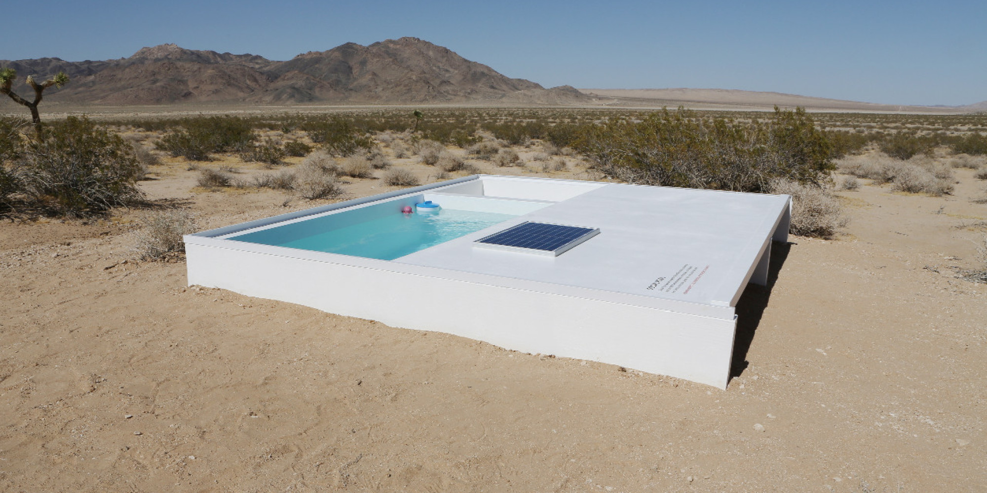 California Schwimmbad There 39s A Tiny Pool In The Middle Of The Mojave Desert