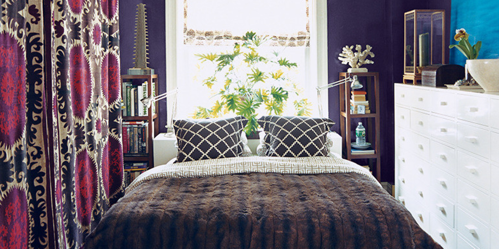 Full Bed In Small Room 11 Ways To Make A Tiny Bedroom Feel Huge Huffpost