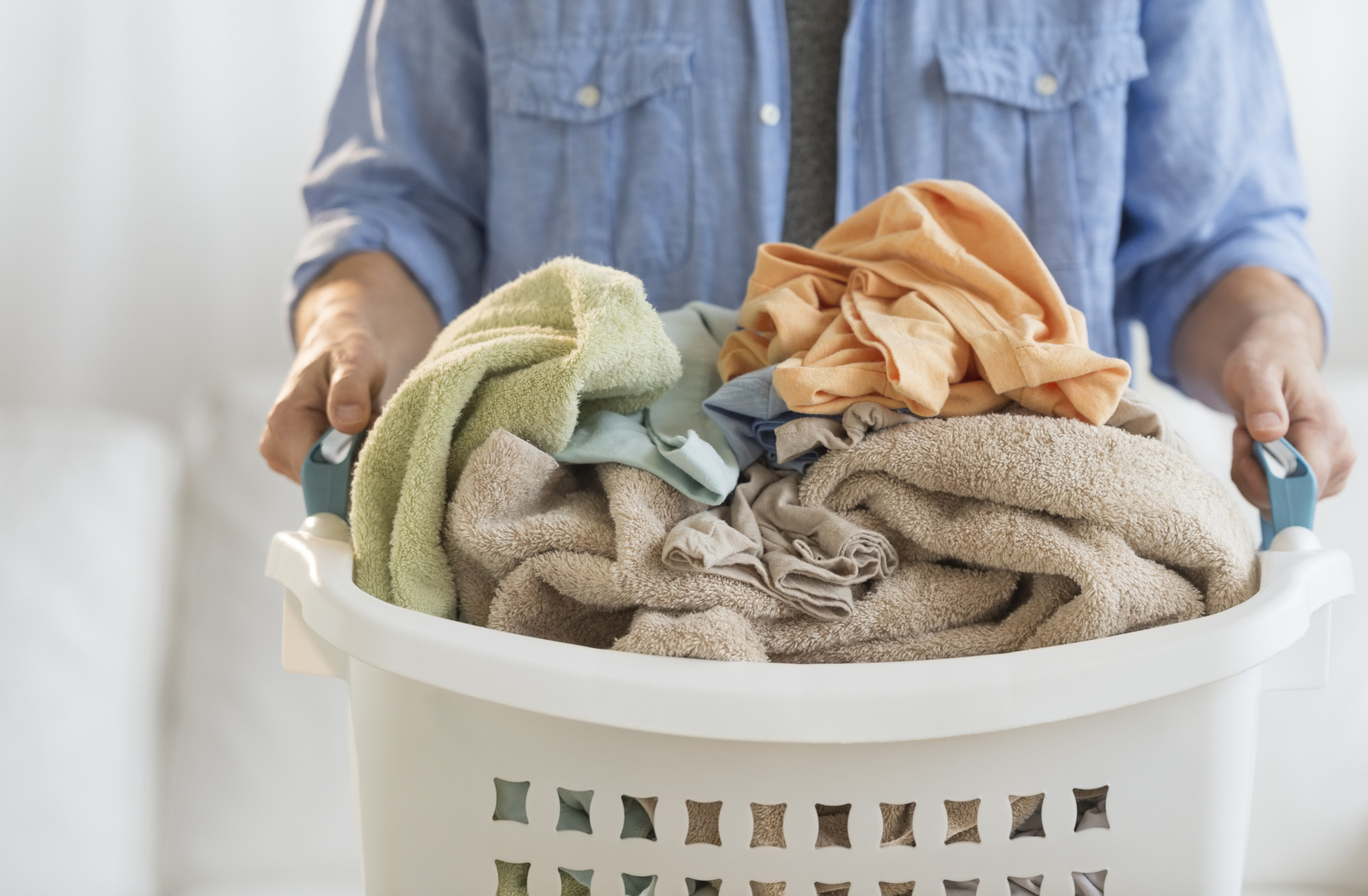 Separate Laundry Basket 5 Mistakes We All Make When Cleaning Our Sheets Huffpost