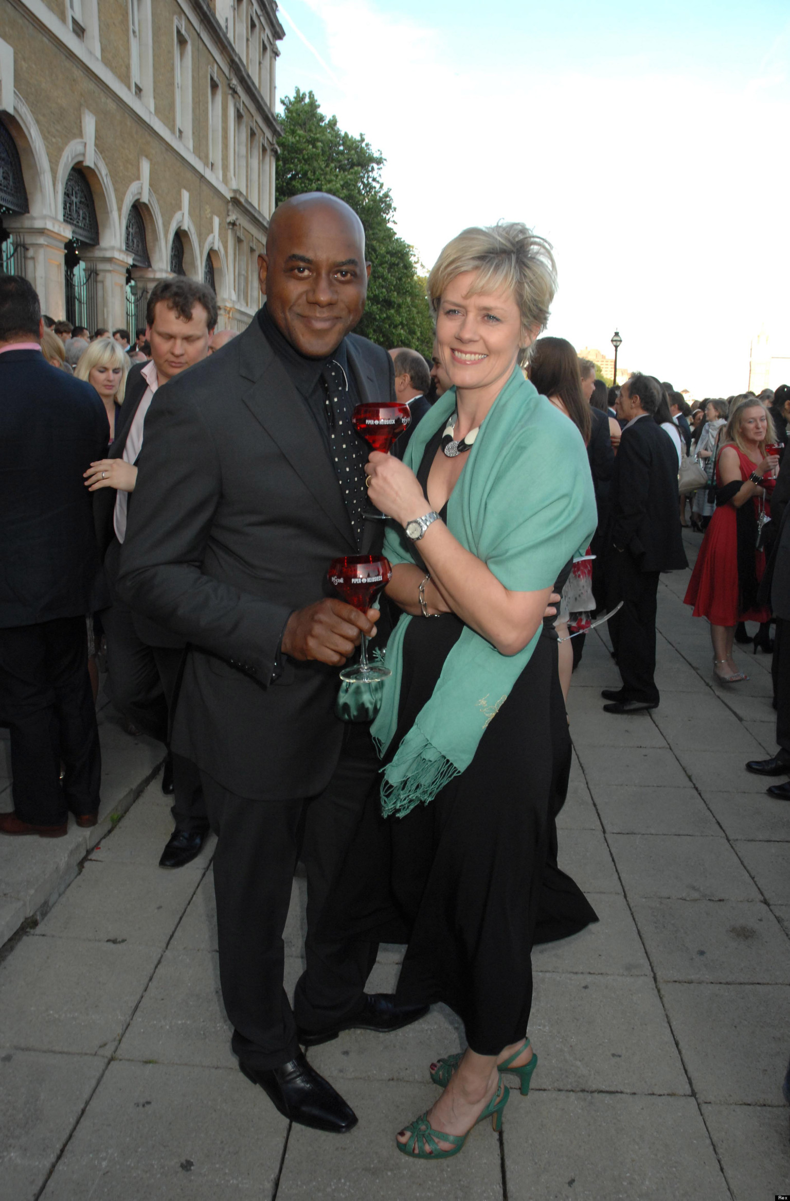 Memo Board Ainsley Harriott Separates From Wife Clare Fellows After