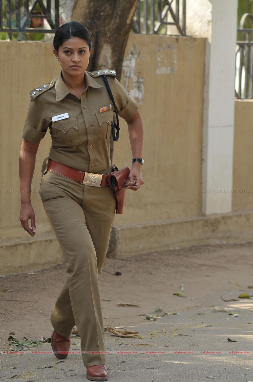 Police Officer Girl Wallpaper Bhavani Tamil Movie Photos Stills Hd Photos 40342